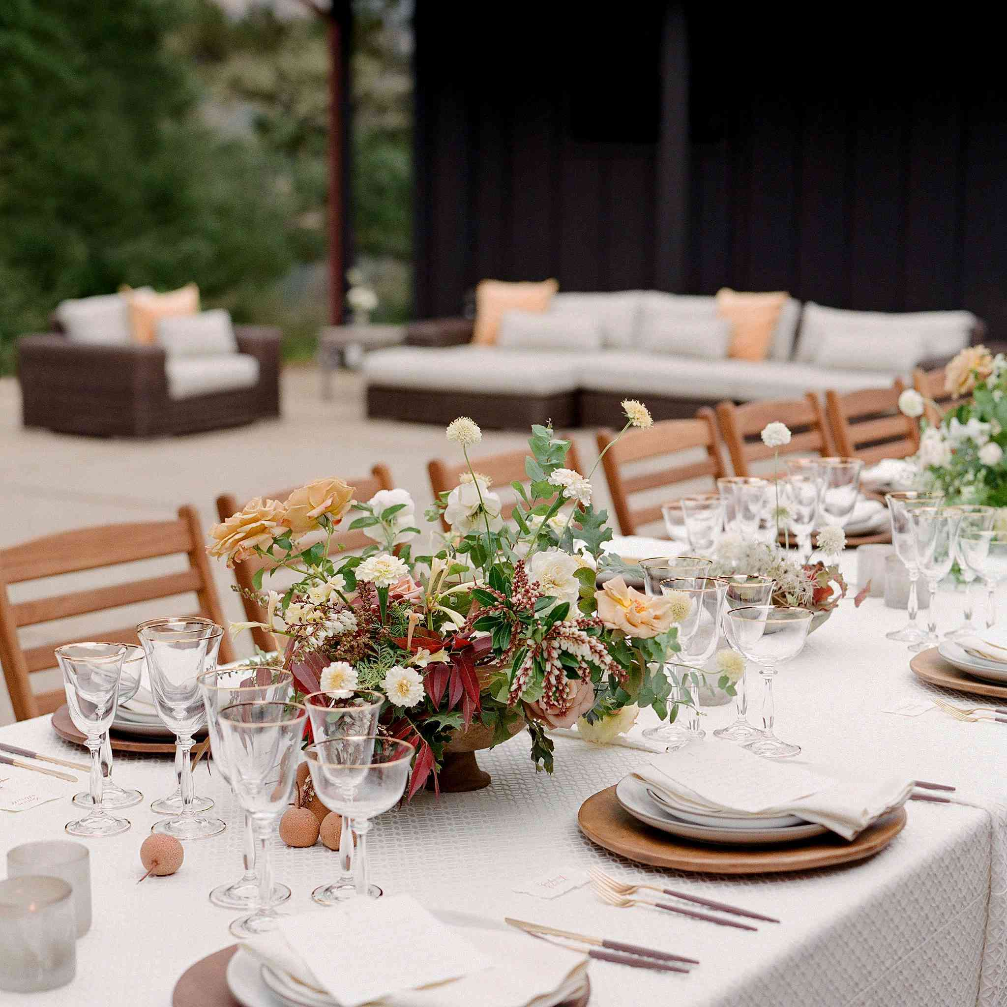<p>dinner table</p><br><br>