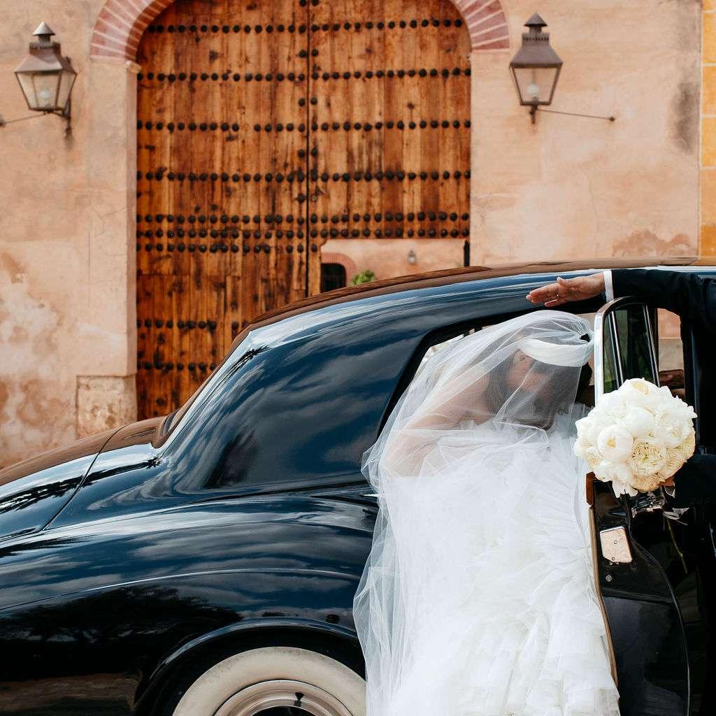 bride exiting car