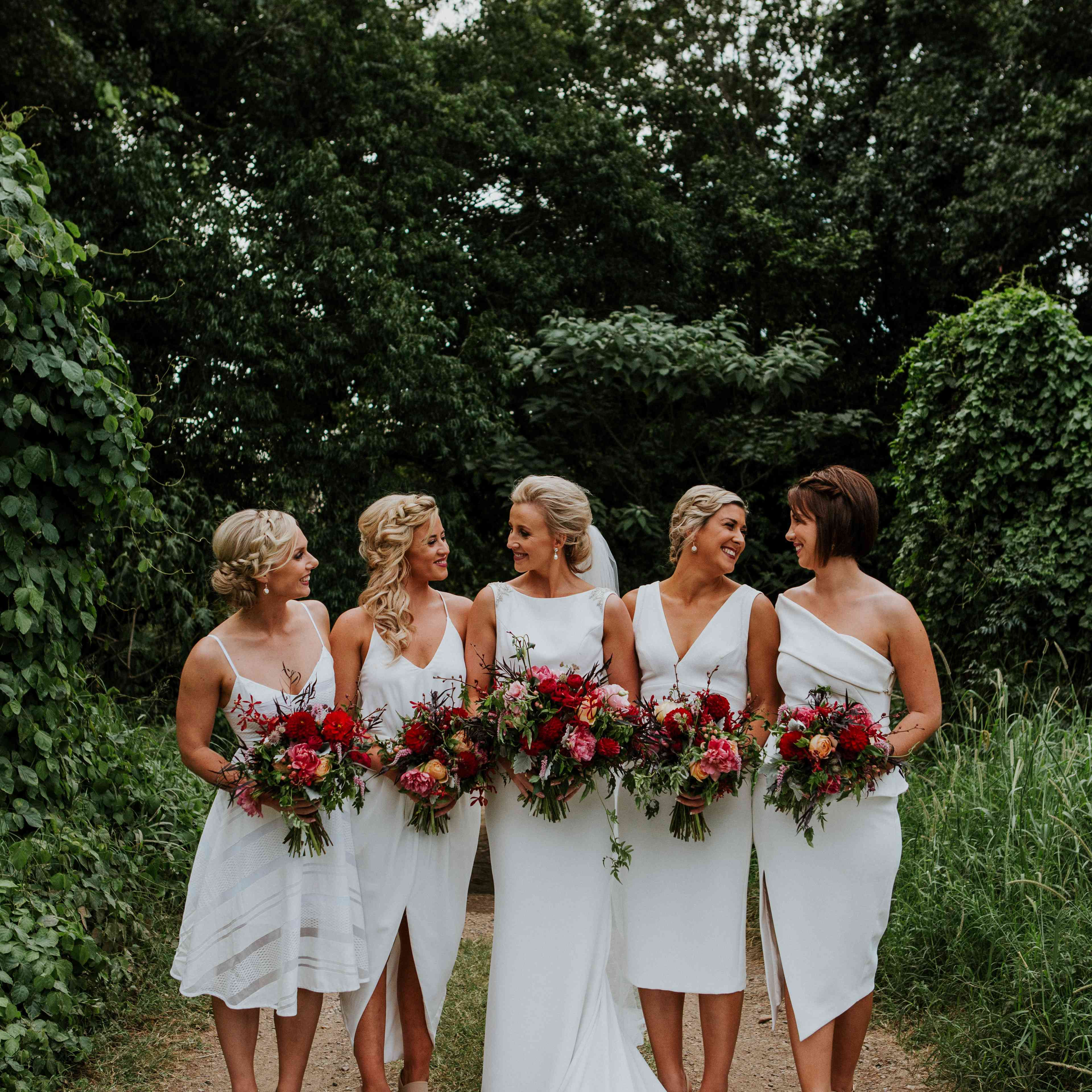 25 Bridesmaids Who Killed The Fashion Game With Unique Bridesmaid