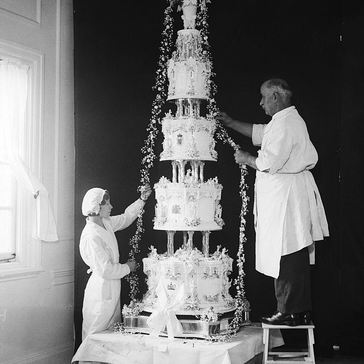 Princess Marina of Greece wedding cake
