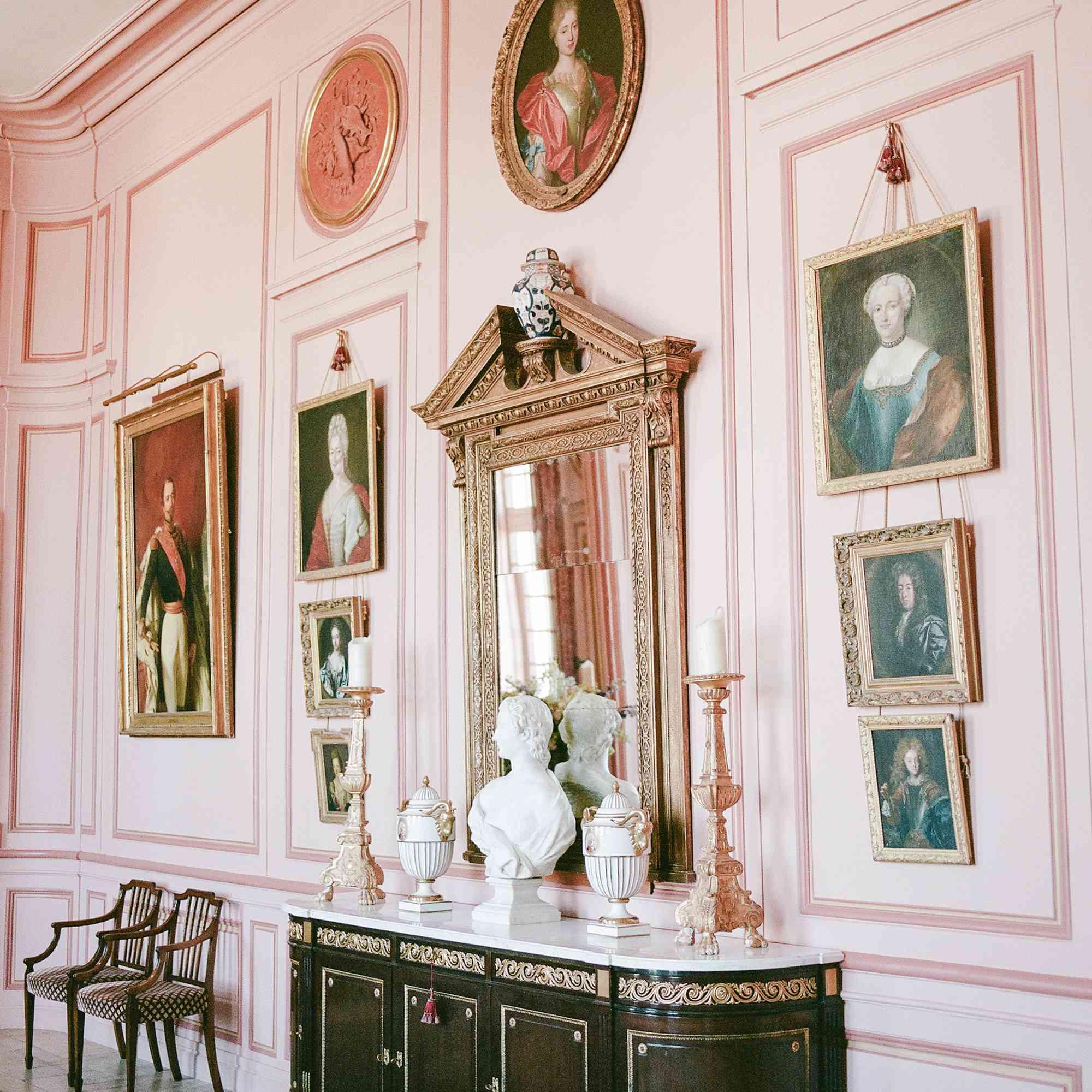 <p>Chateau interior</p><br><br>