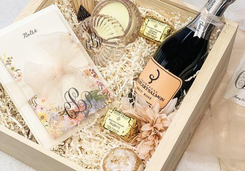 bridal shower gift basket