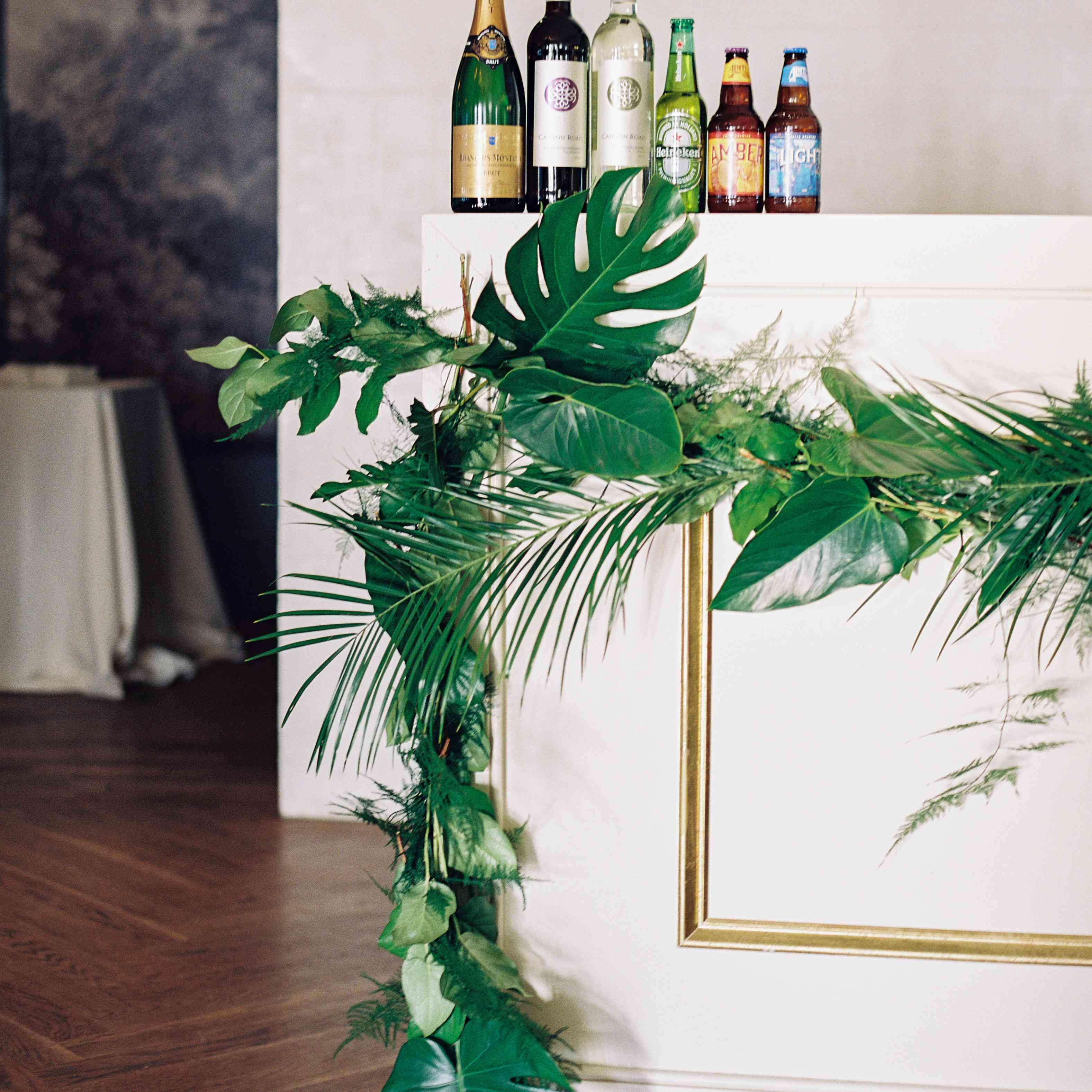 <p>tropical wedding bar</p><br><br>