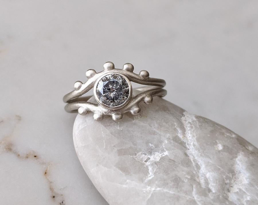 Doozie Jewelry Salt and Pepper Split Shank Ring