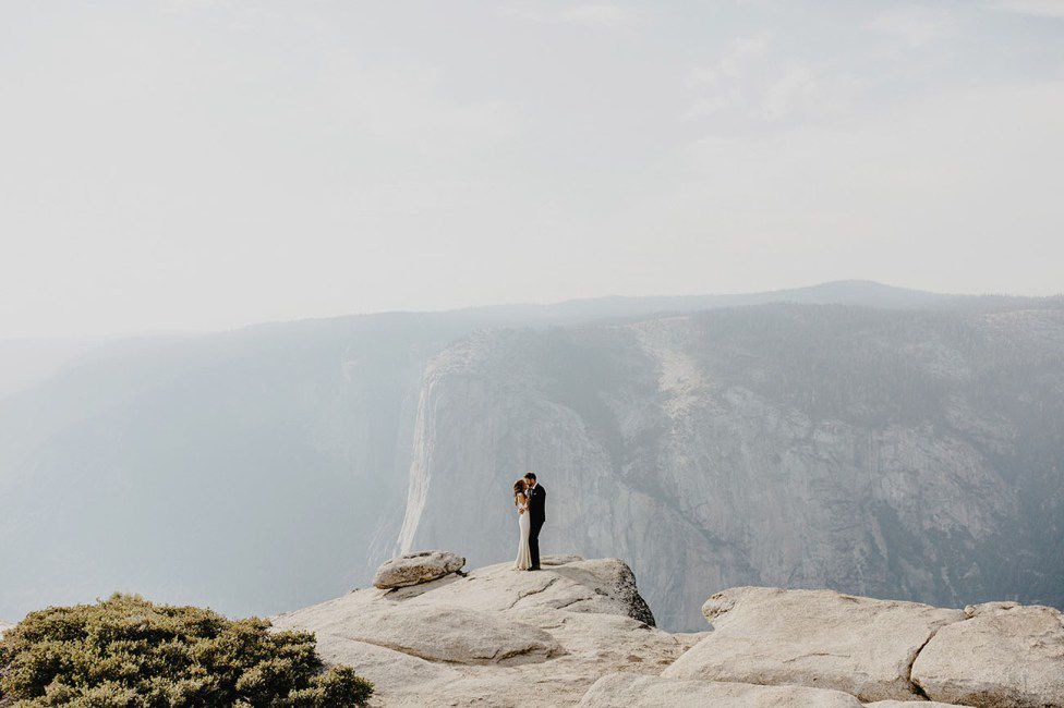 <p>Wedding photo at Yosemite National Park</p>