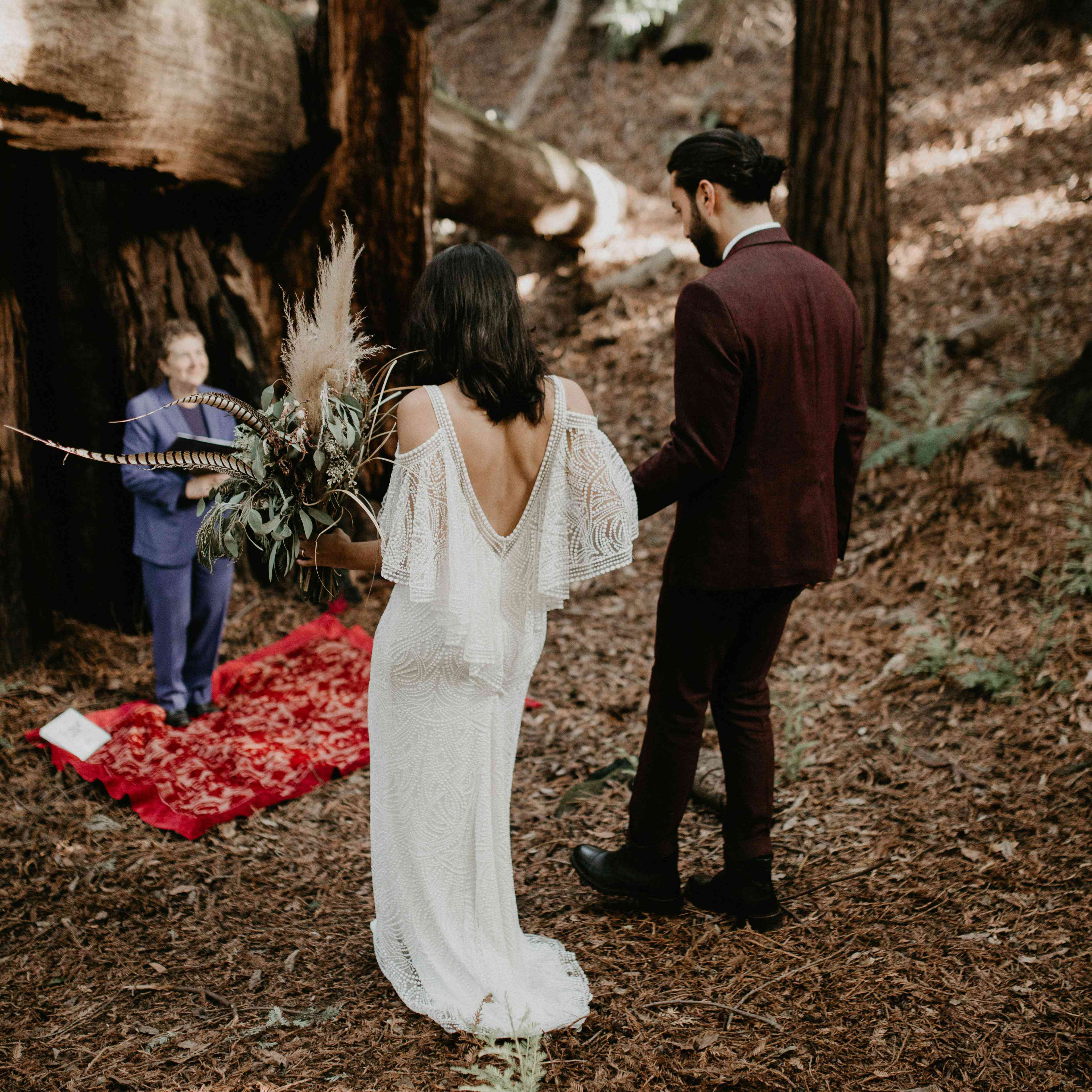 7 Sweet Wedding Traditions To Include In Your Elopement