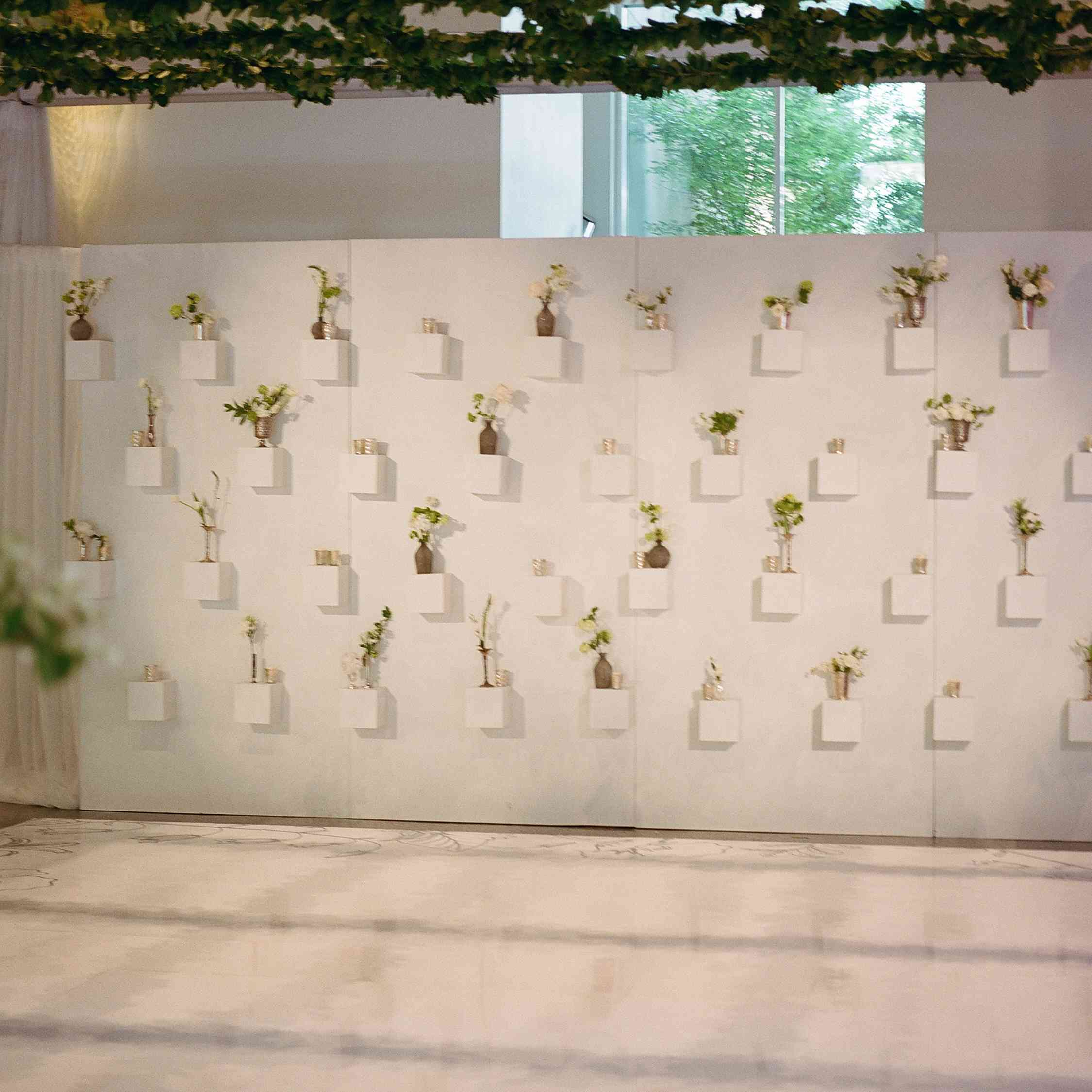 <p>flower wall</p><br><br>