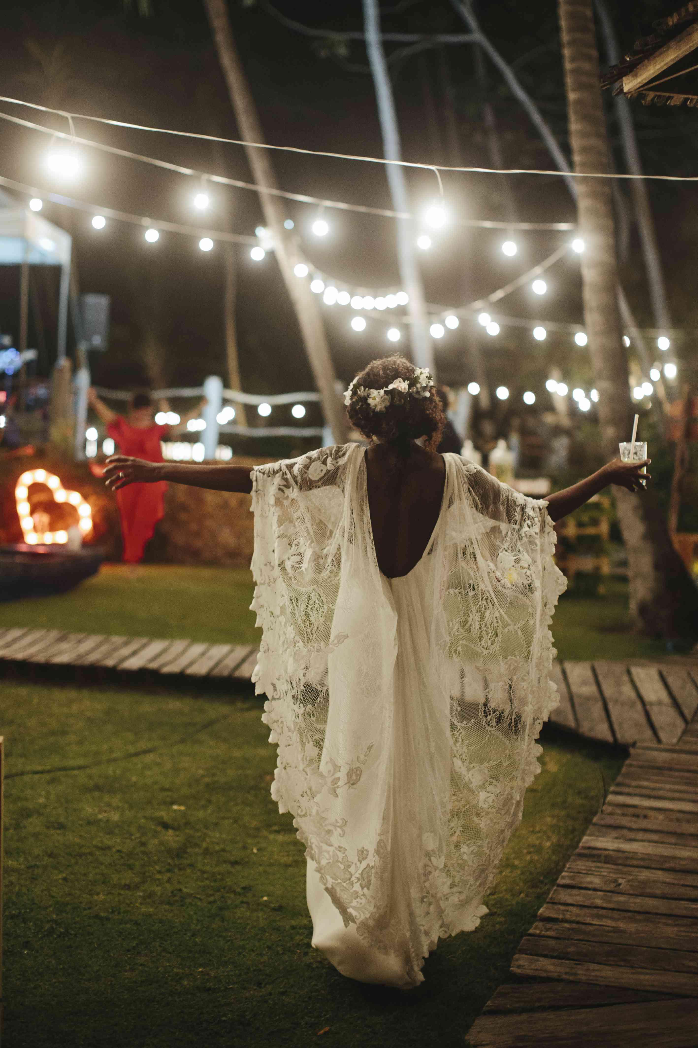 bride lace wedding sleeves dancing