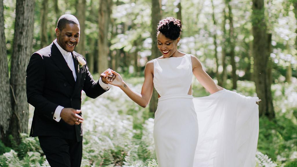 A Beautiful Barn Wedding With A Modern Twist