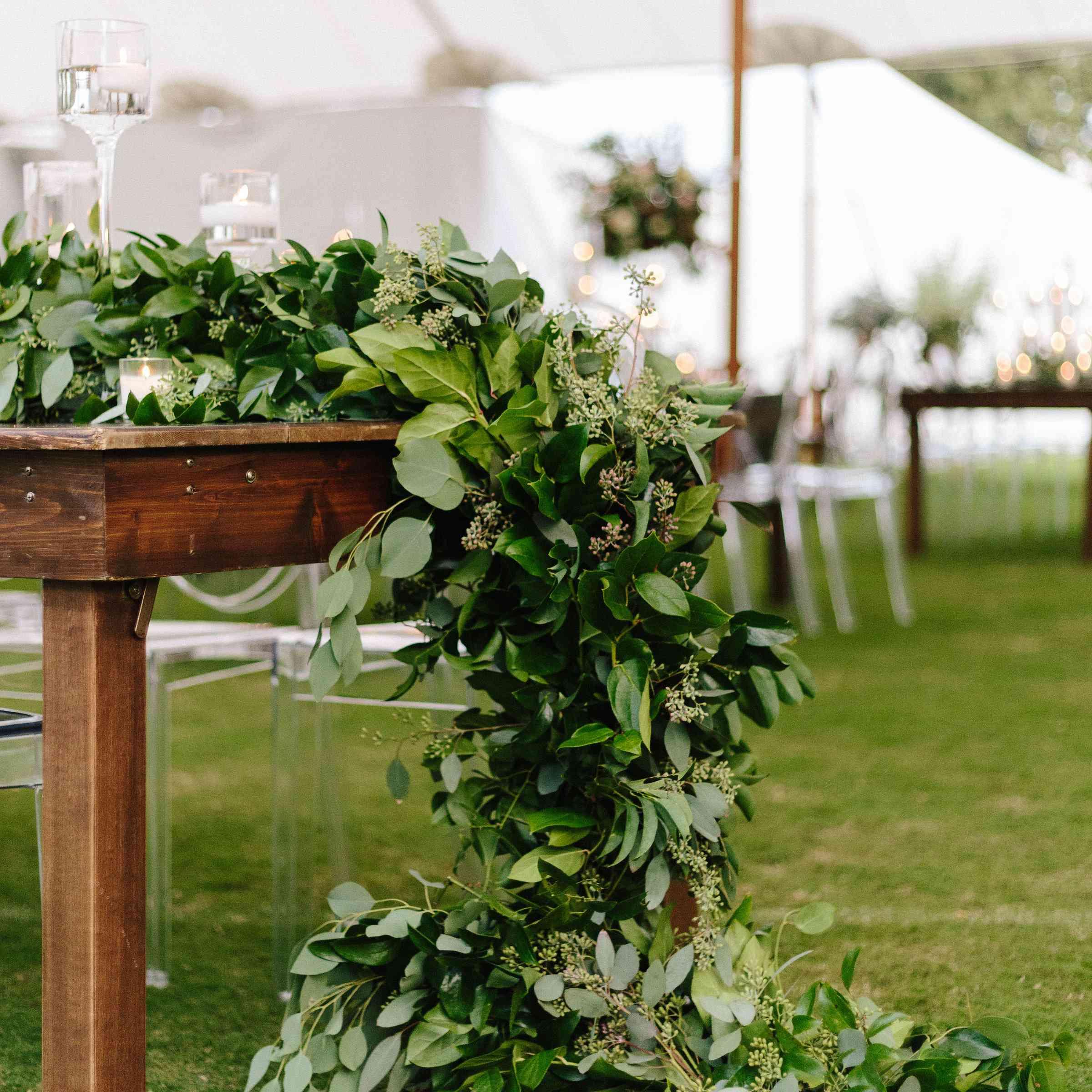 lush greenery tablescape