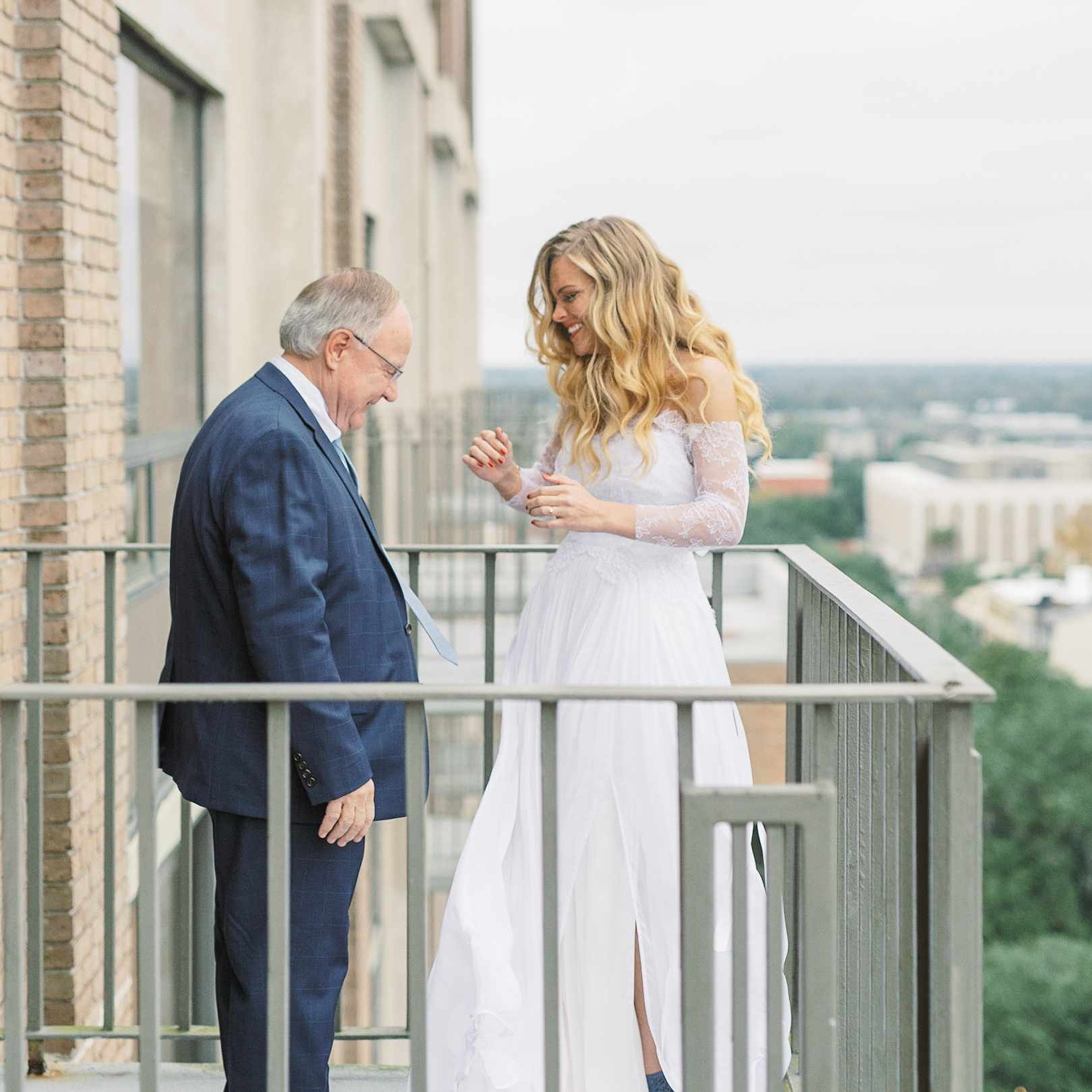 whimsical savannah wedding, bride father first look