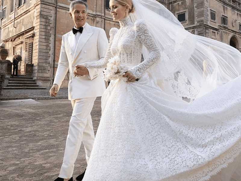 Princess Diana's Niece Lady Kitty Spencer Wore Five Handmade Gowns at Her  Wedding