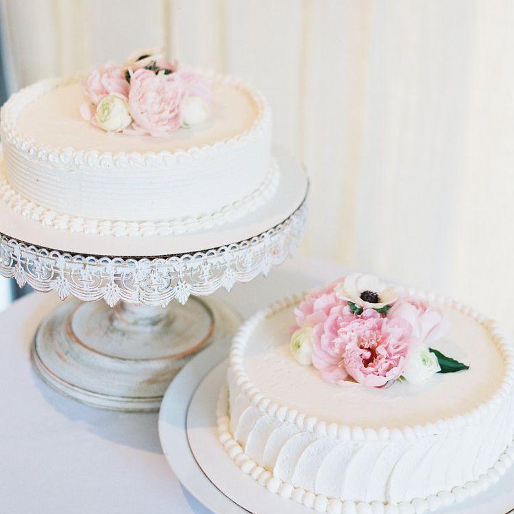 One-Tiered White Wedding Cakes