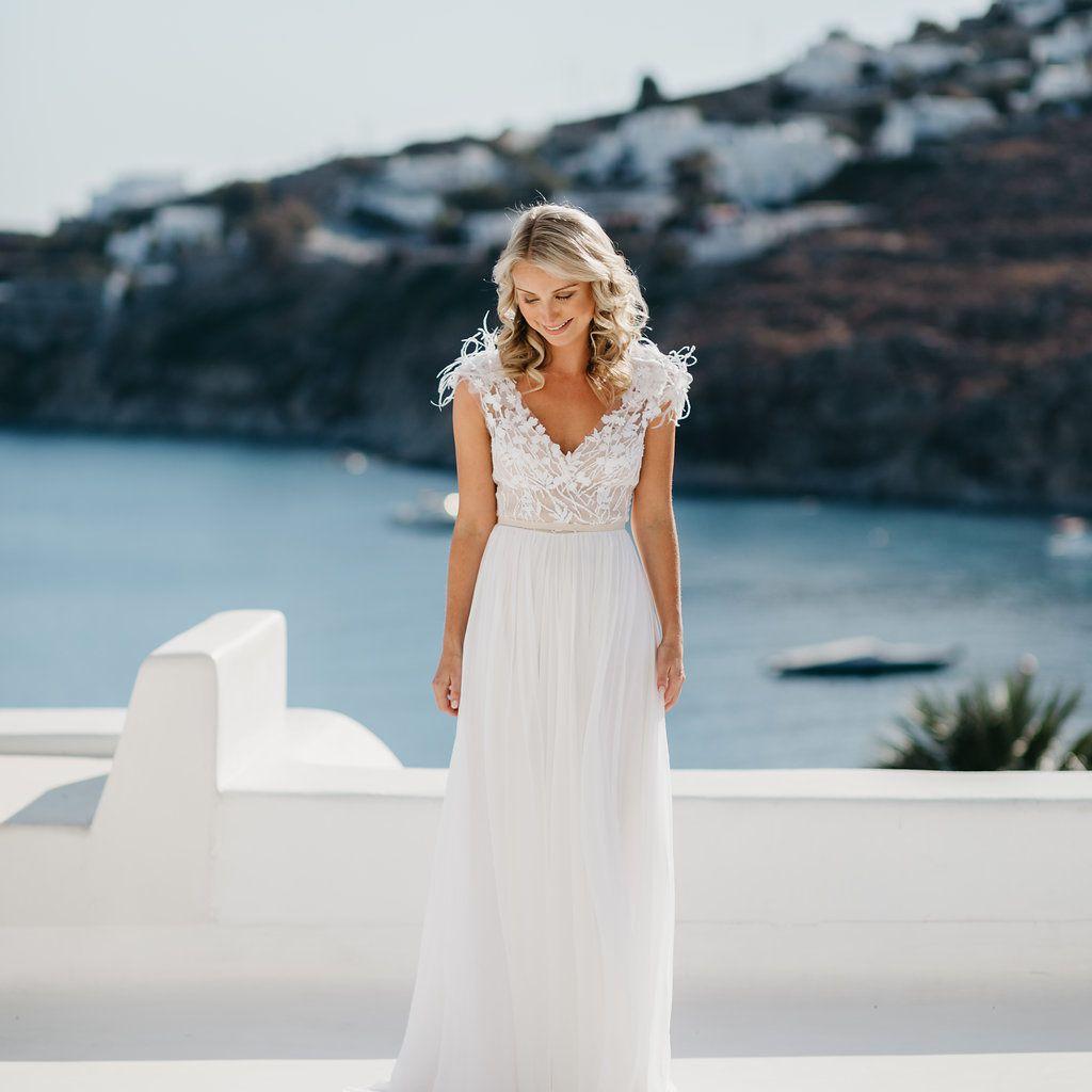 bride cap sleeve wedding dress