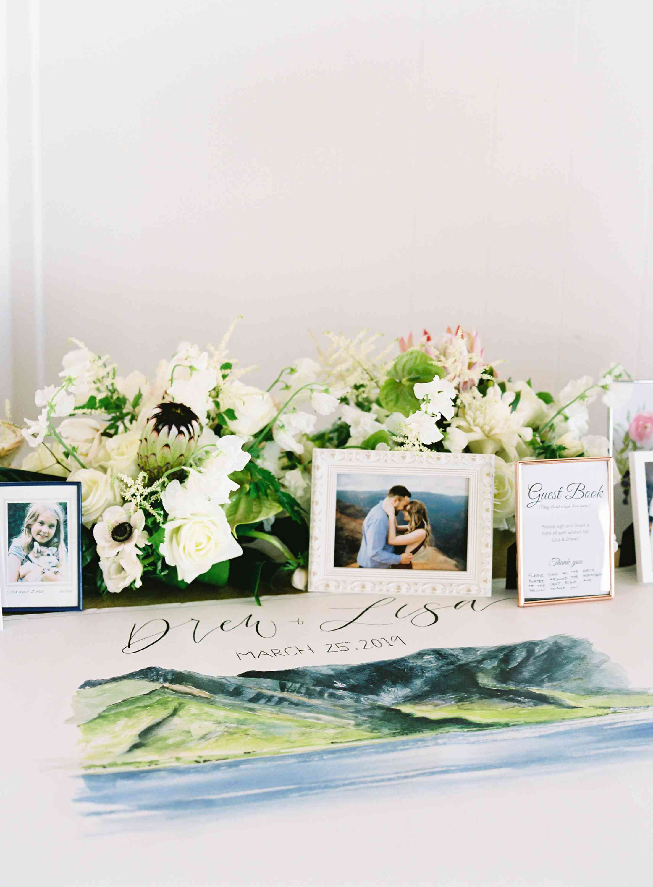 Handpainted canvas as a guest book