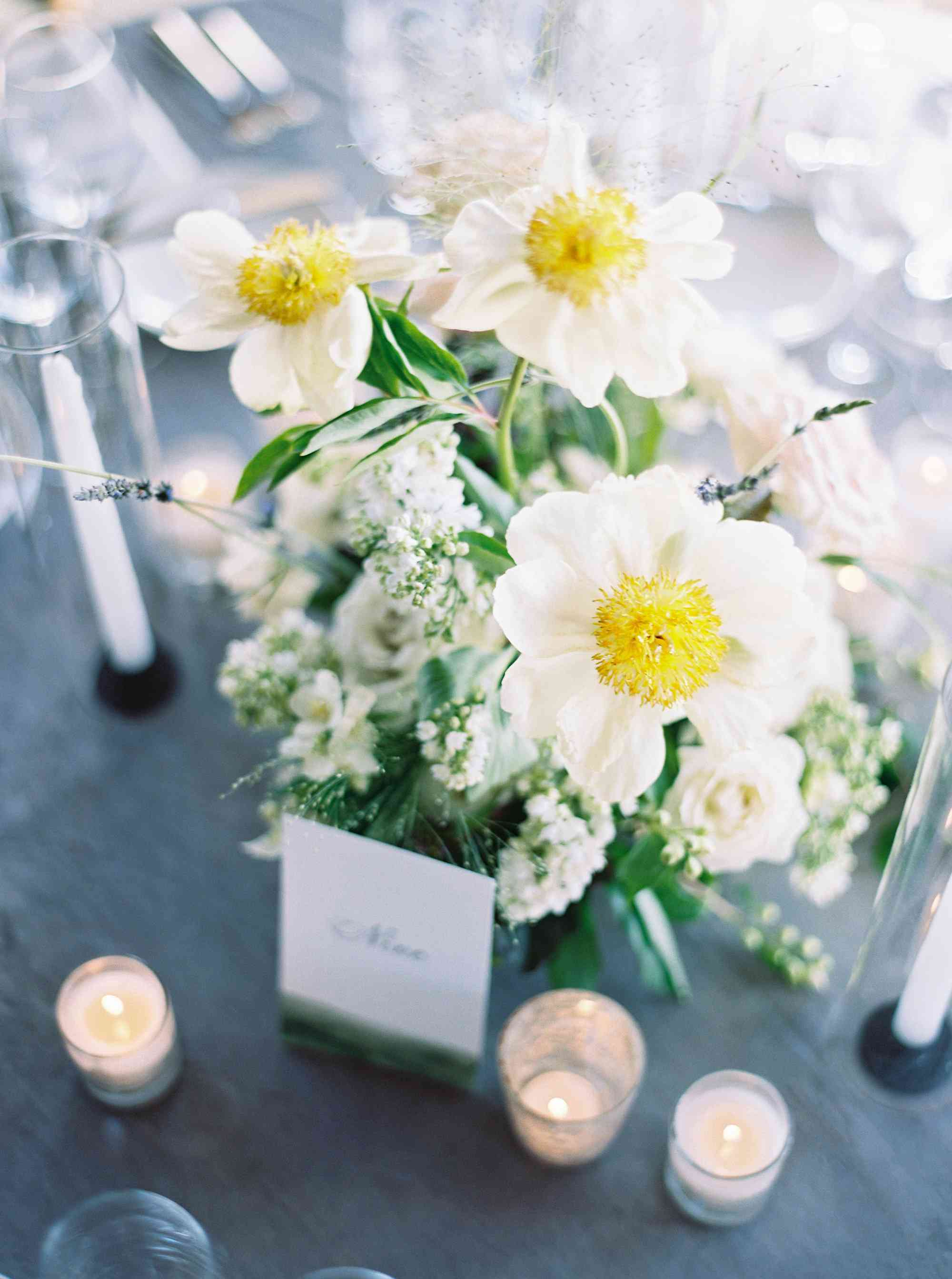 <p>place cards and flowes</p><br><br>