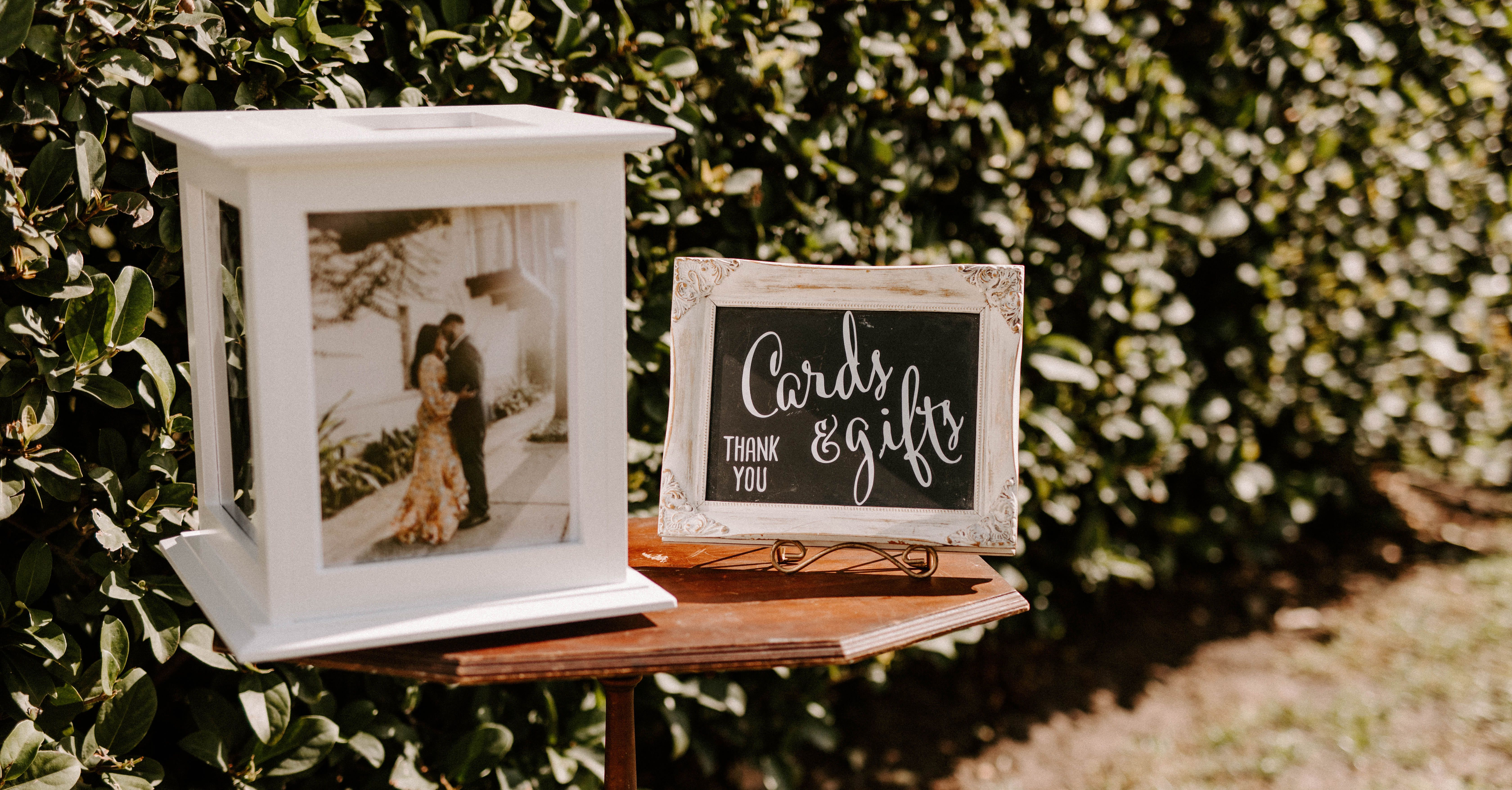 18 Ideas for Your Wedding Gift Table
