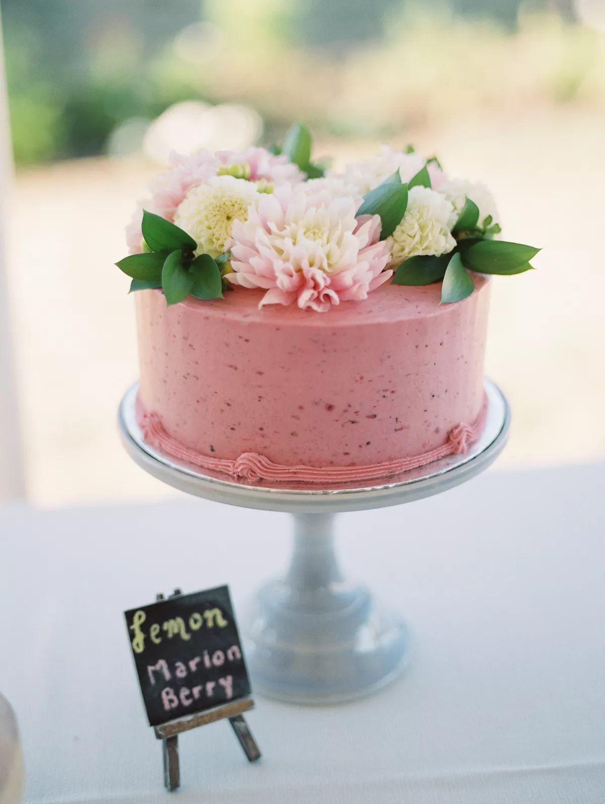 pink single tier cake