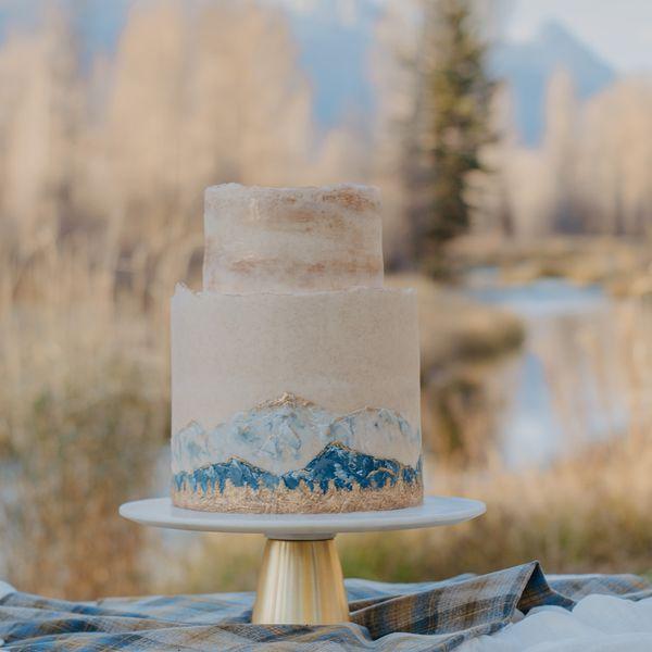 fall mountain wedding cake