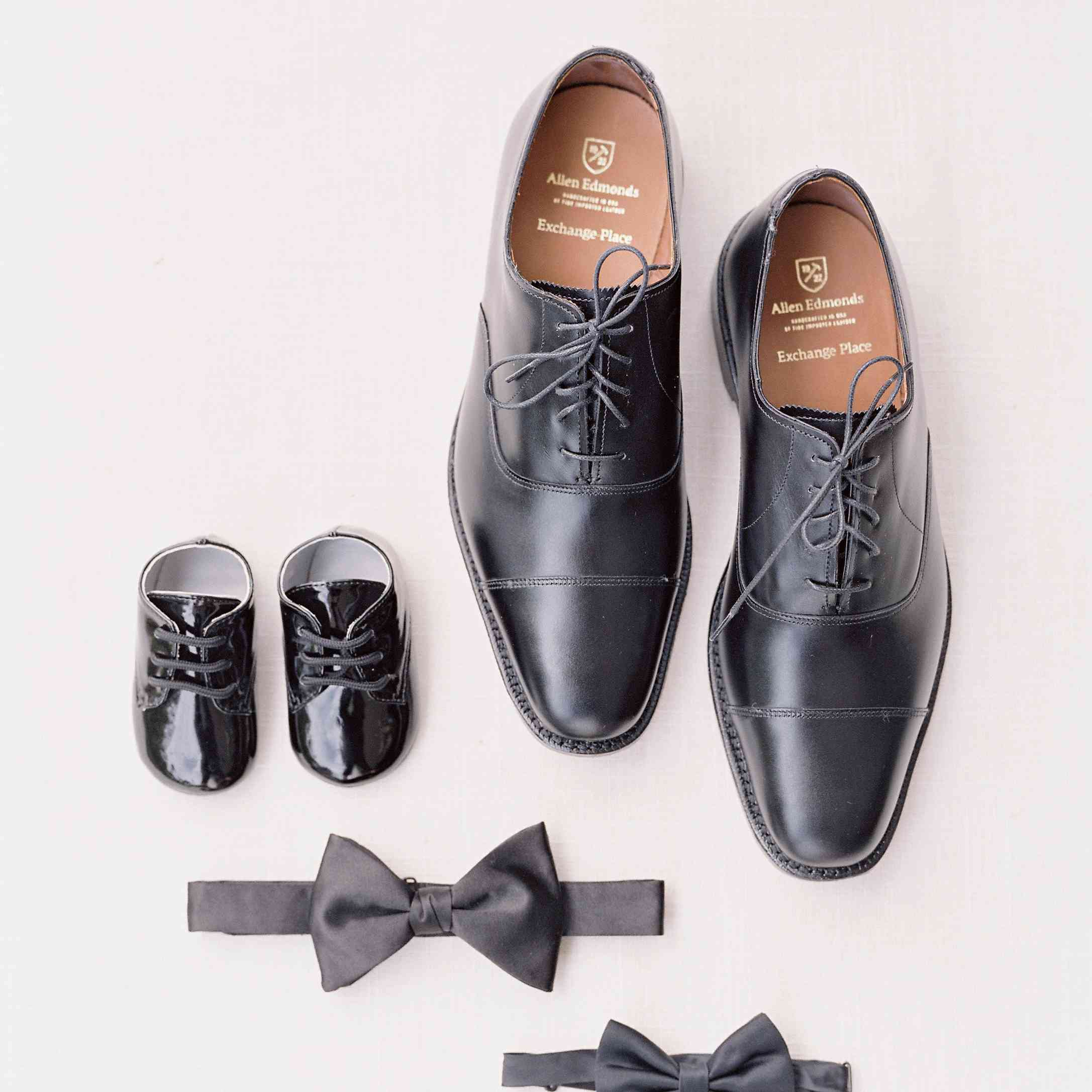 <p>Grooms shoes and bowtie</p><br><br>