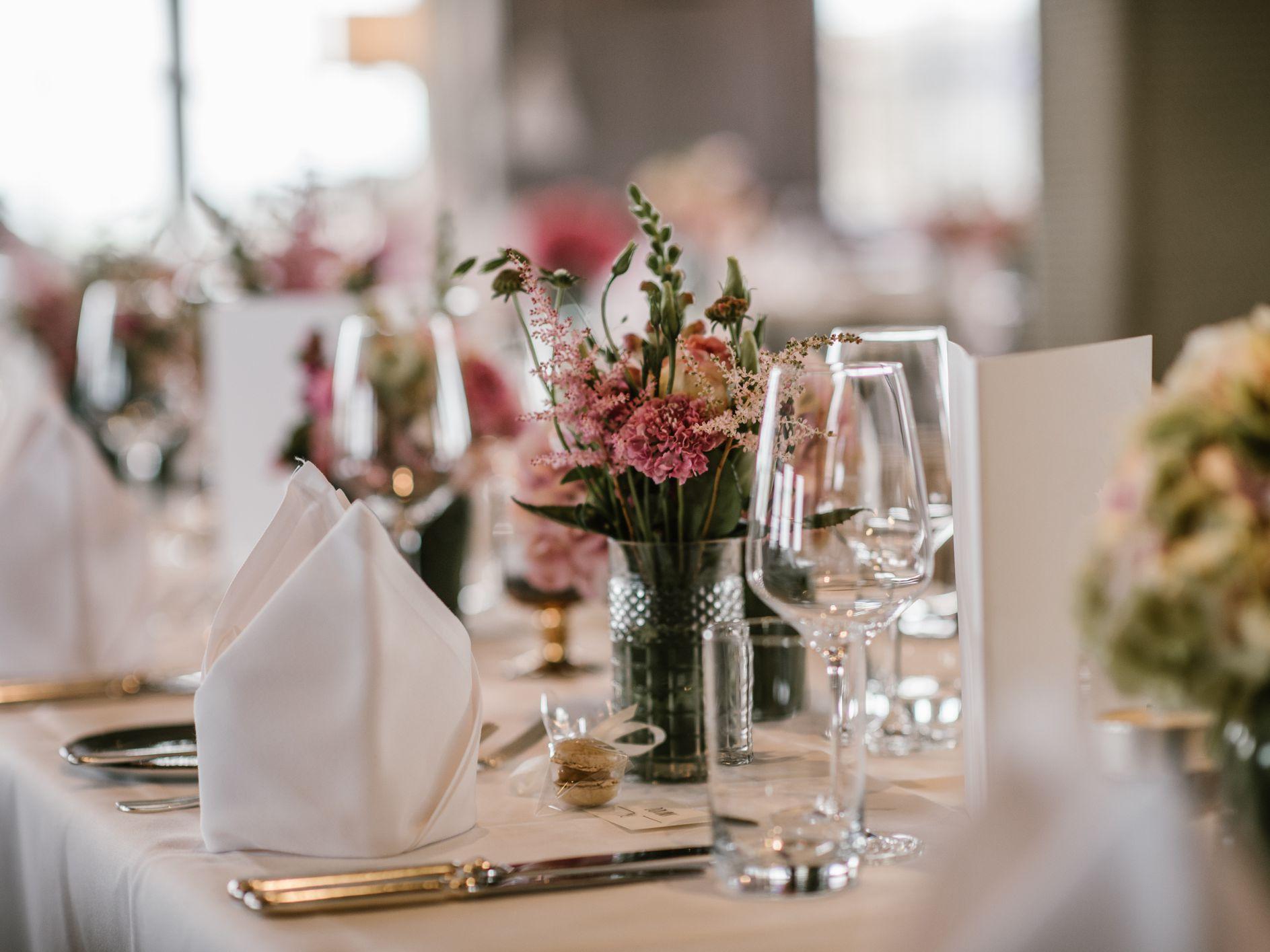 8 Pretty Ways To Fold Napkins At Your Wedding Reception