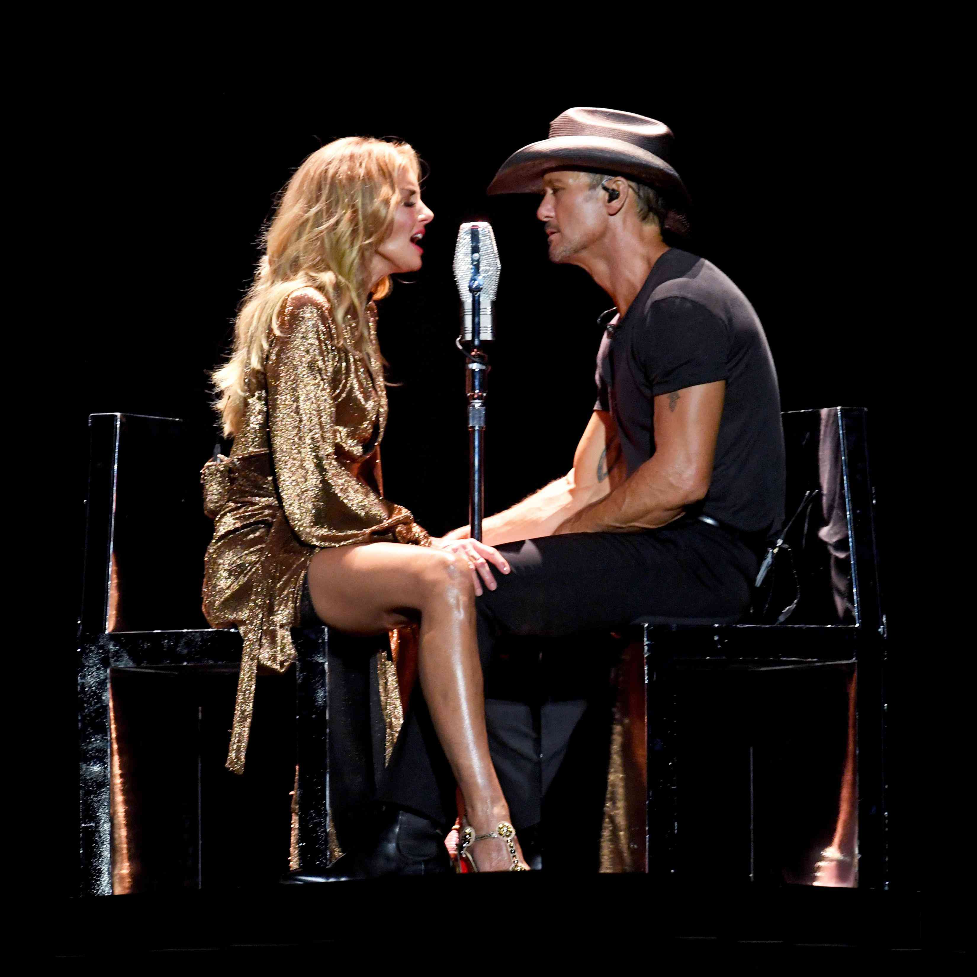 922f592ea Happy Anniversary Tim McGraw and Faith Hill! A Look Back At Their ...