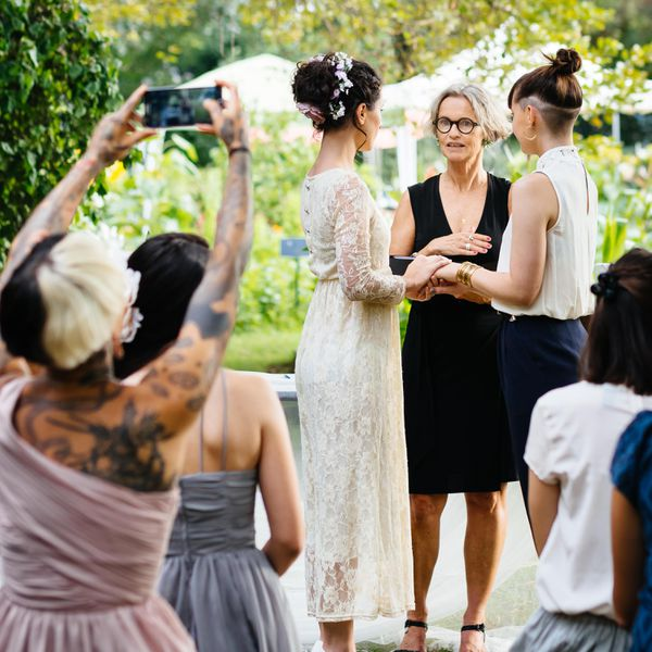 4 Cool Ways to Wrangle All Those Wedding Photos Your Guests Took