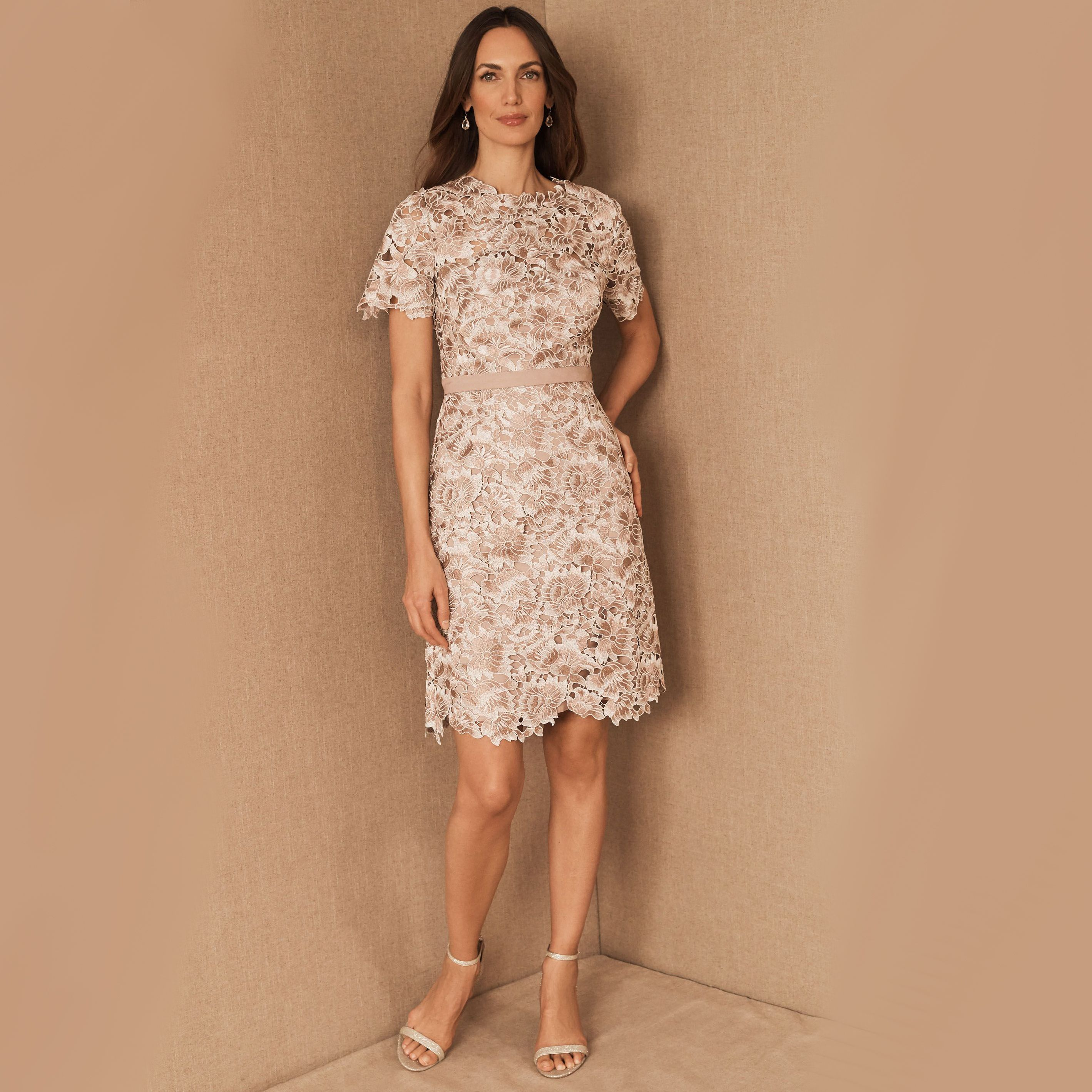 18 Best Short Mother Of The Bride Dresses Of 2021