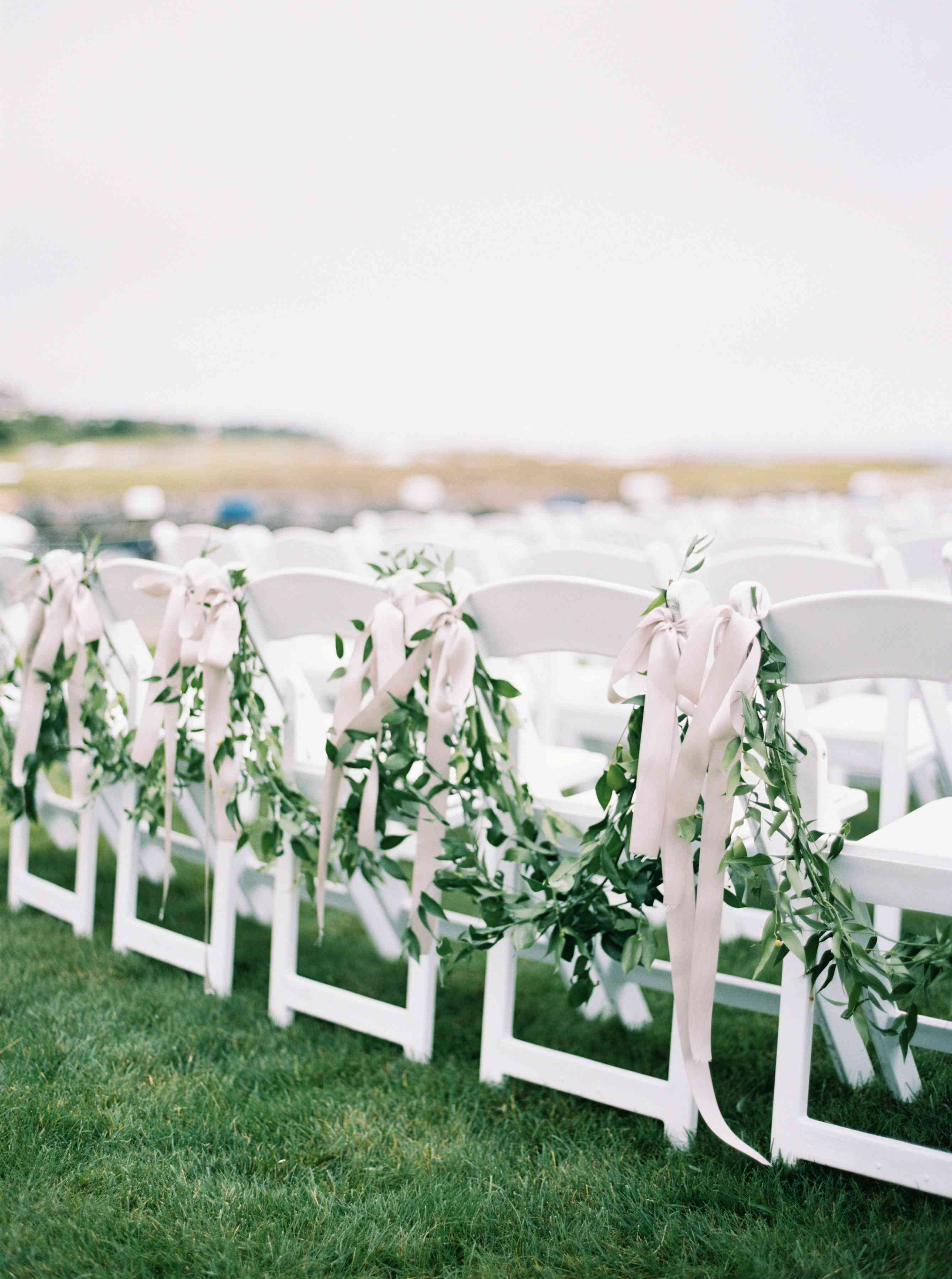 folding chairs for outdoor ceremony