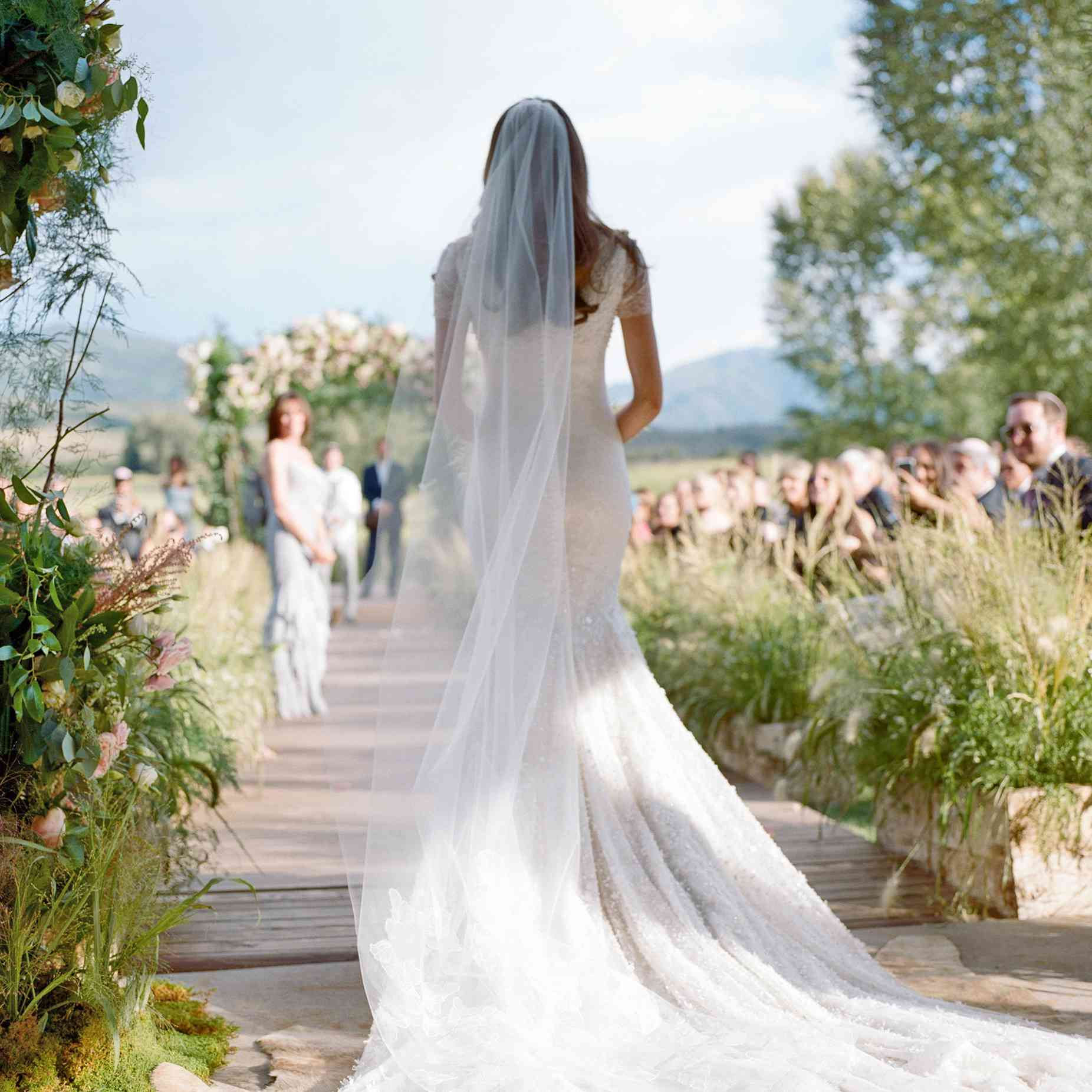 Wedding Walking In Songs: 10 Unique Ways To Walk Down The Aisle At Your Wedding