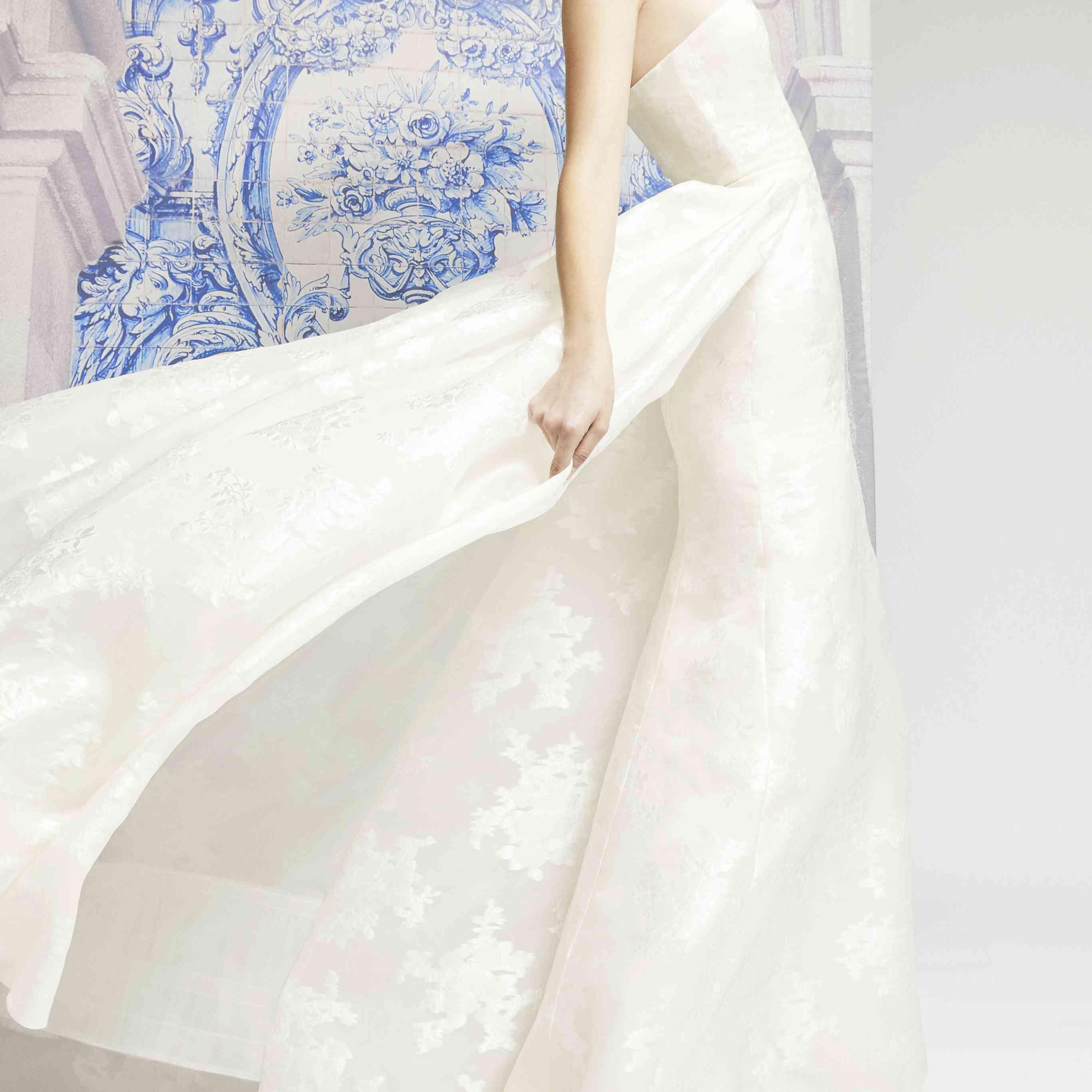 Carolina Herrera Wedding Dress.Carolina Herrera Bridal Fall 2019