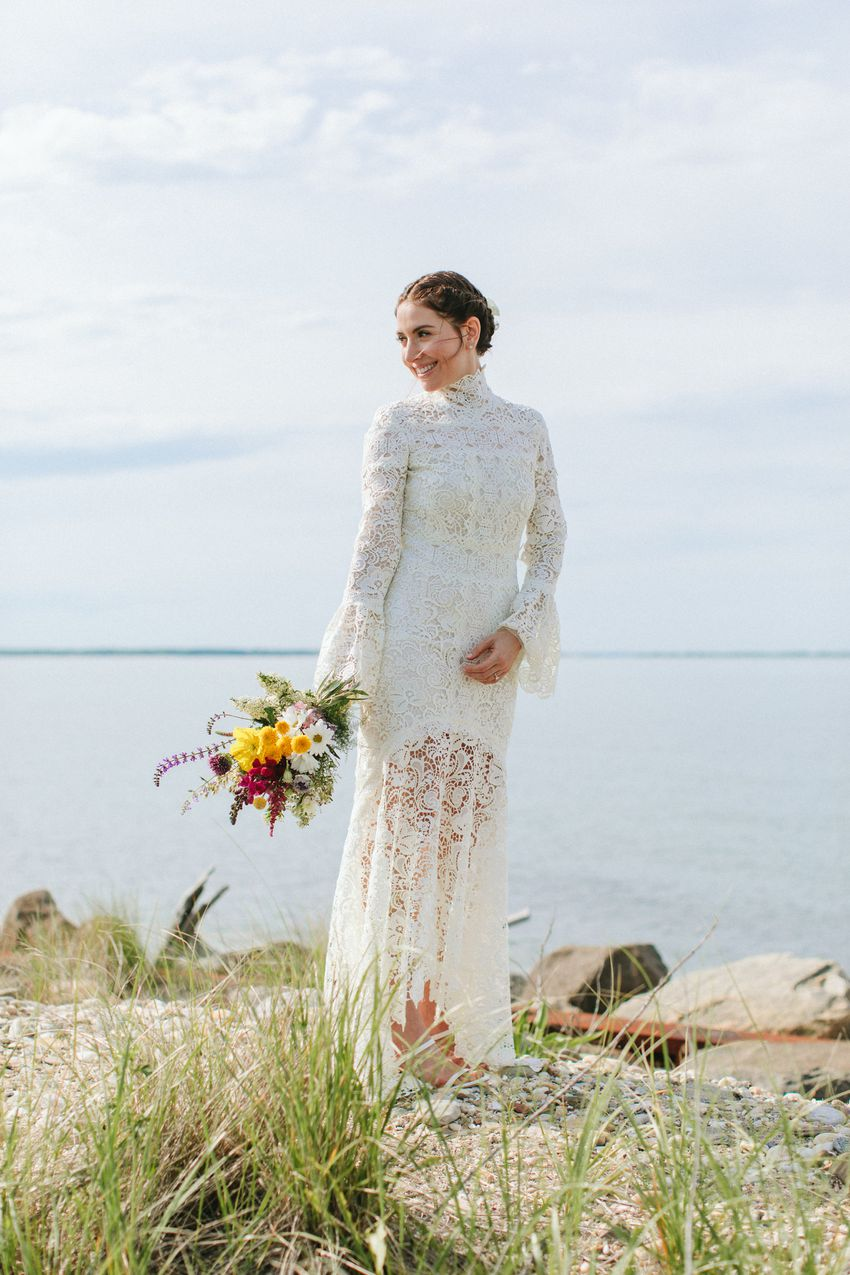 <p>bride beach wedding</p>