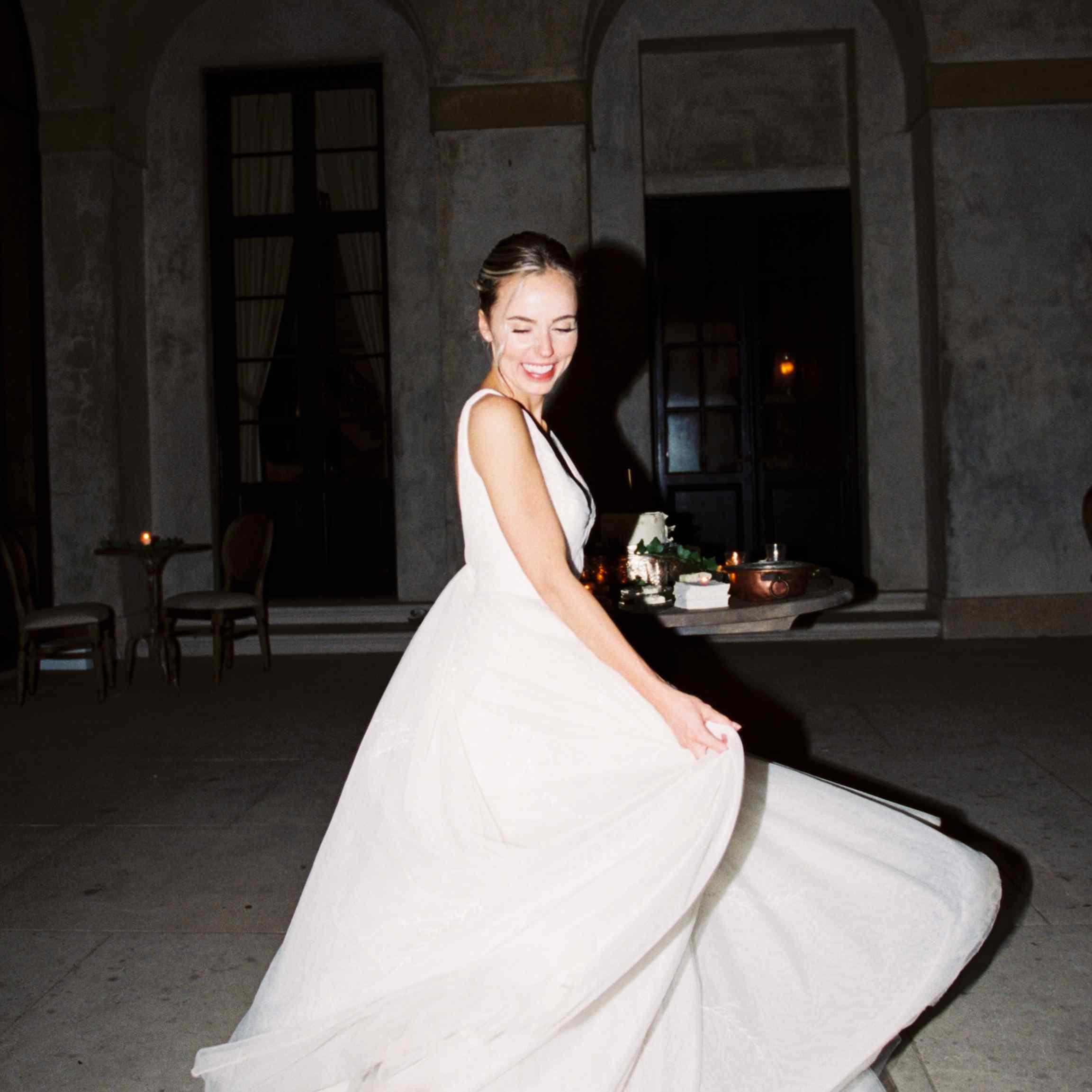 <p>bride dancing swinging dress</p><br><br>