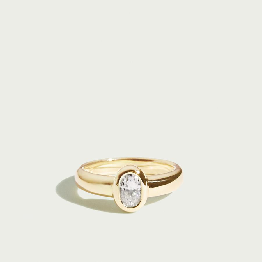 c0a1d96de61e2 31 Stunning Oval Engagement Rings