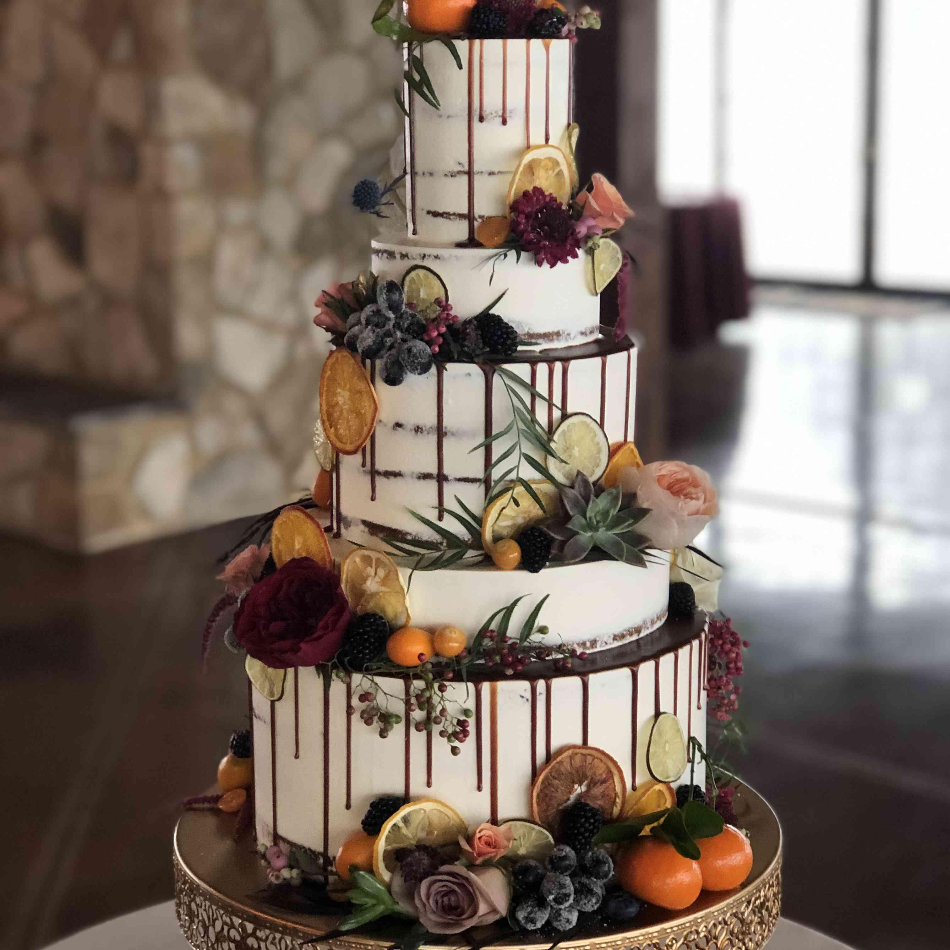 21 Succulent Wedding Cakes