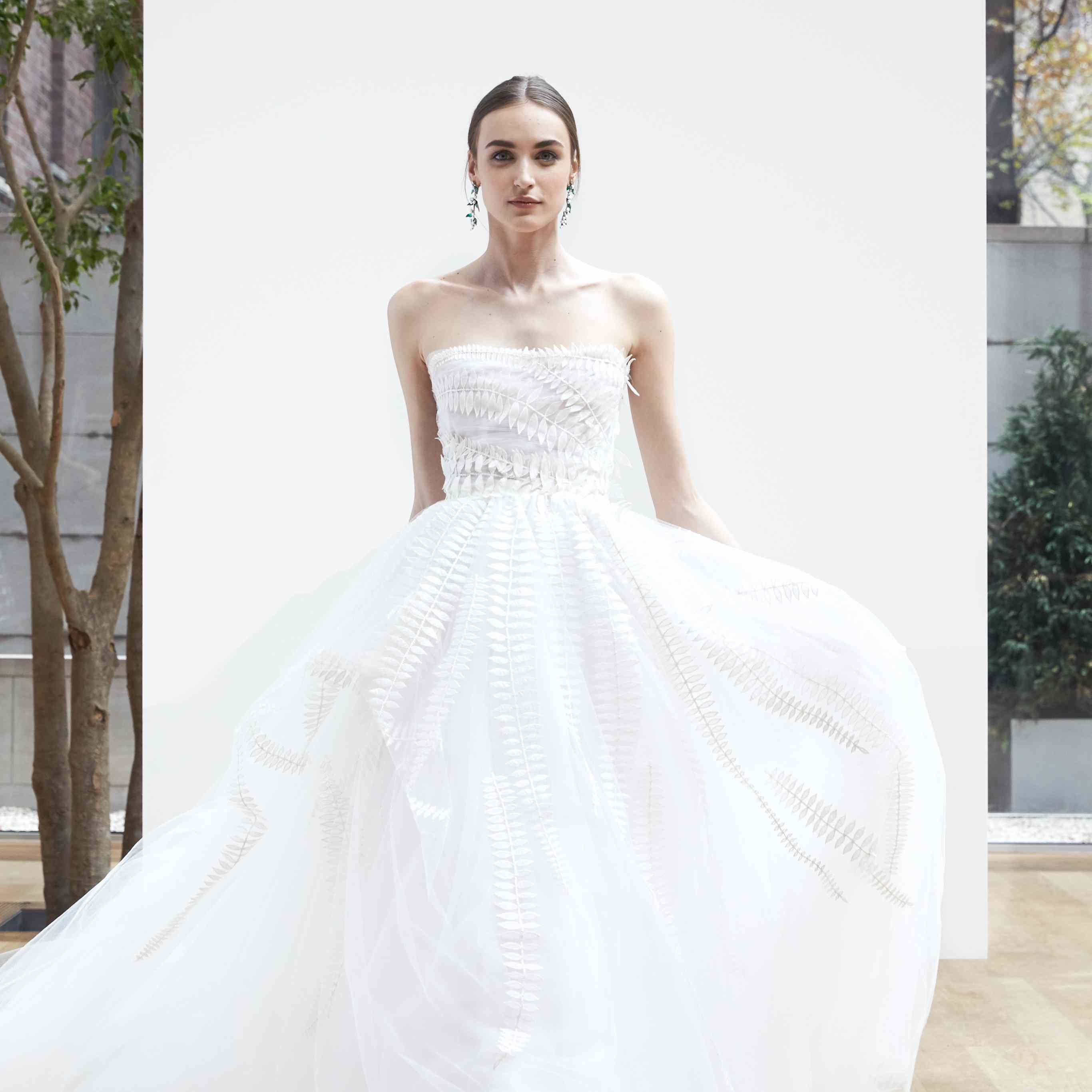 Wedding Gowns For Small Bust: How To Find The Perfect Wedding Dress For Your Body Type