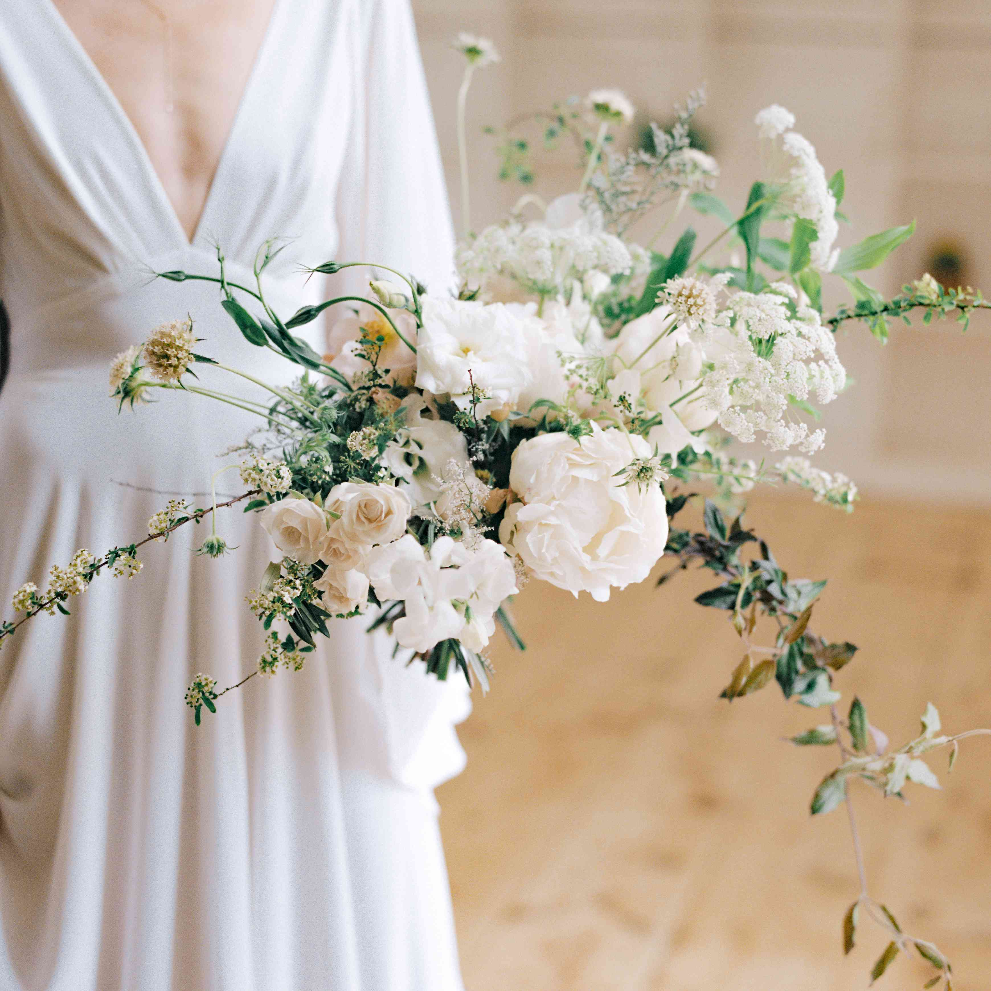 15 Gorgeous Winter Wedding Bouquets