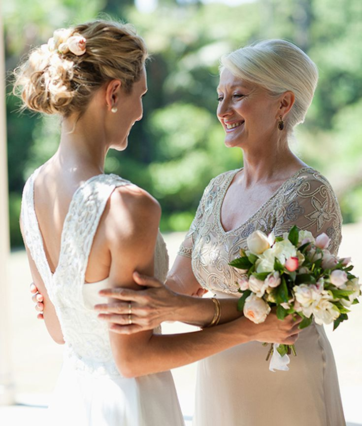 6 Creative Ways To Incorporate Your Mom S Dress In Your Wedding