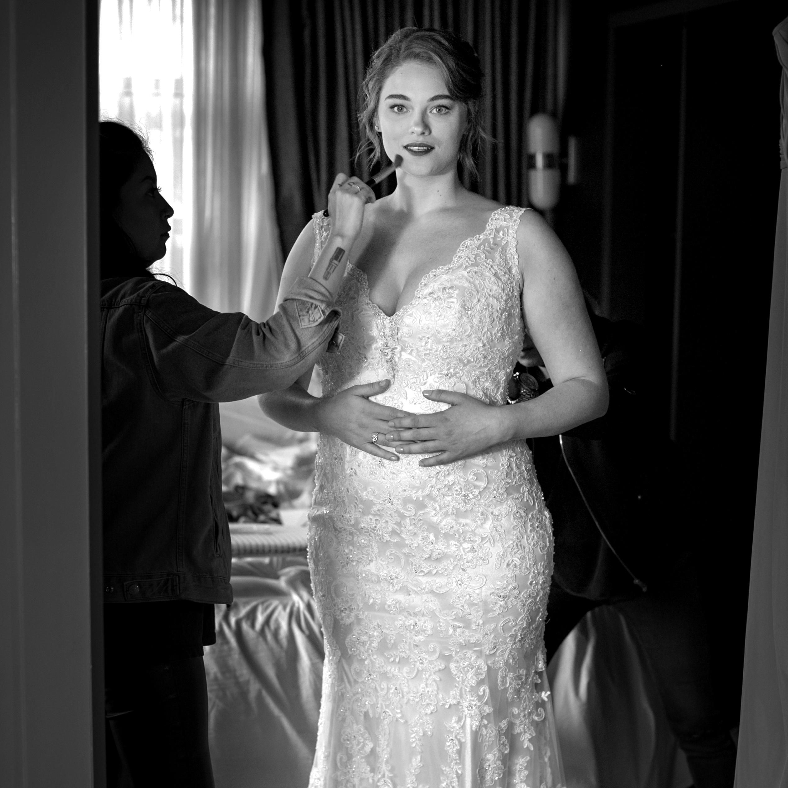 What It S Really Like To Shop For A Wedding Dress As A Size 14