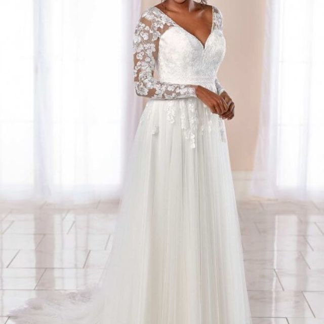 9azlih5enr331m,Plus Size Lace Wedding Dress With Sleeves