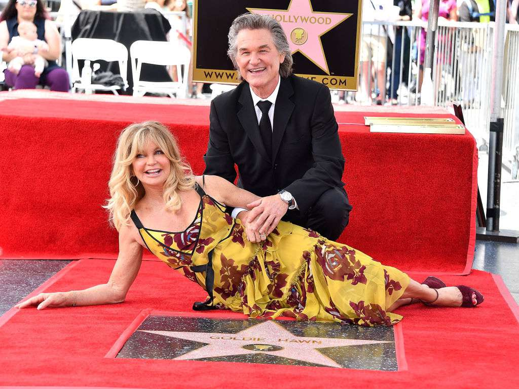 kurt russell and goldie hawn with hollywood star