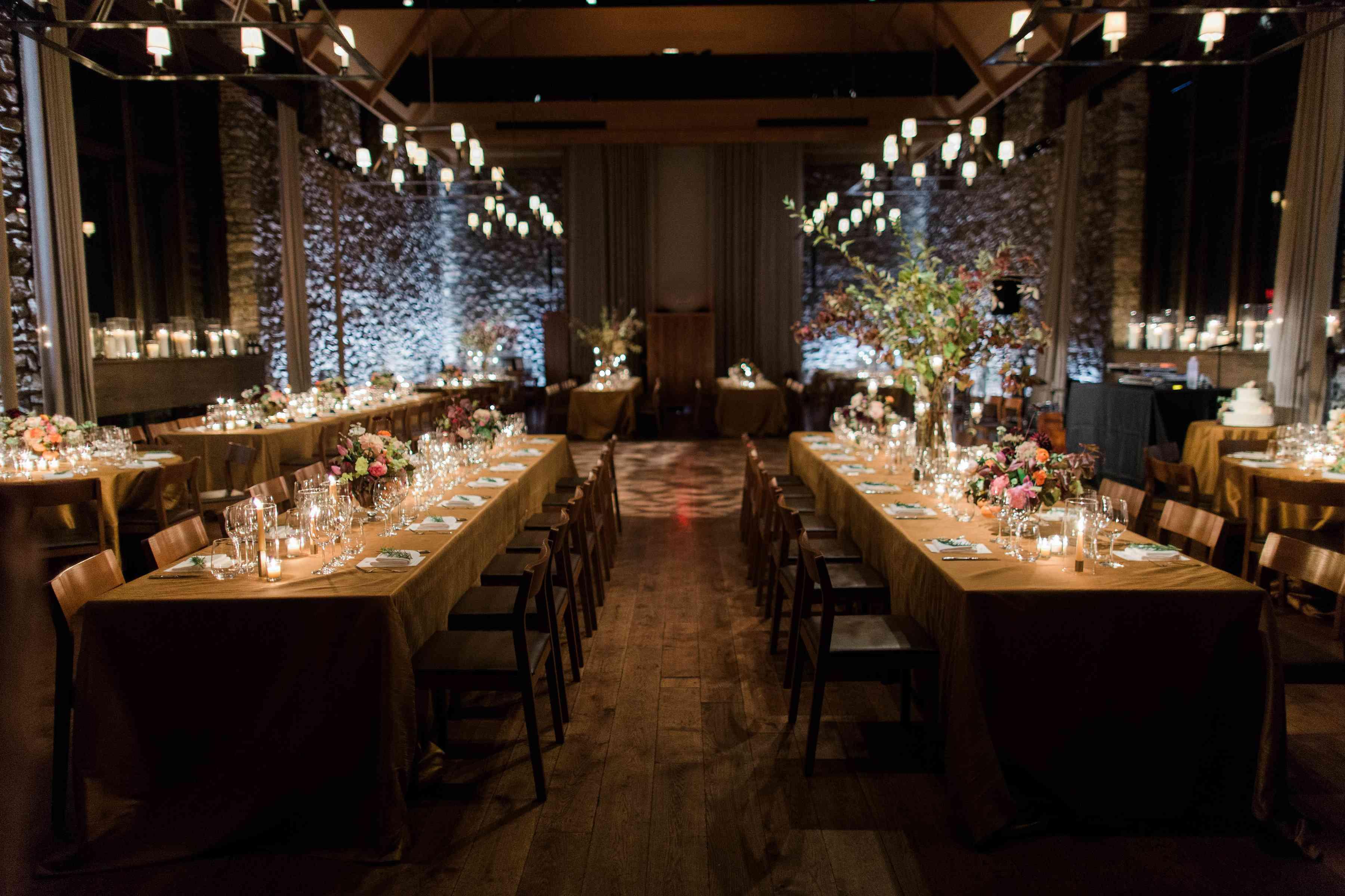<p>Wedding tablescape</p><br><br>