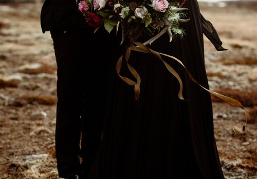 <p>Dark Rose Bouquet</p>