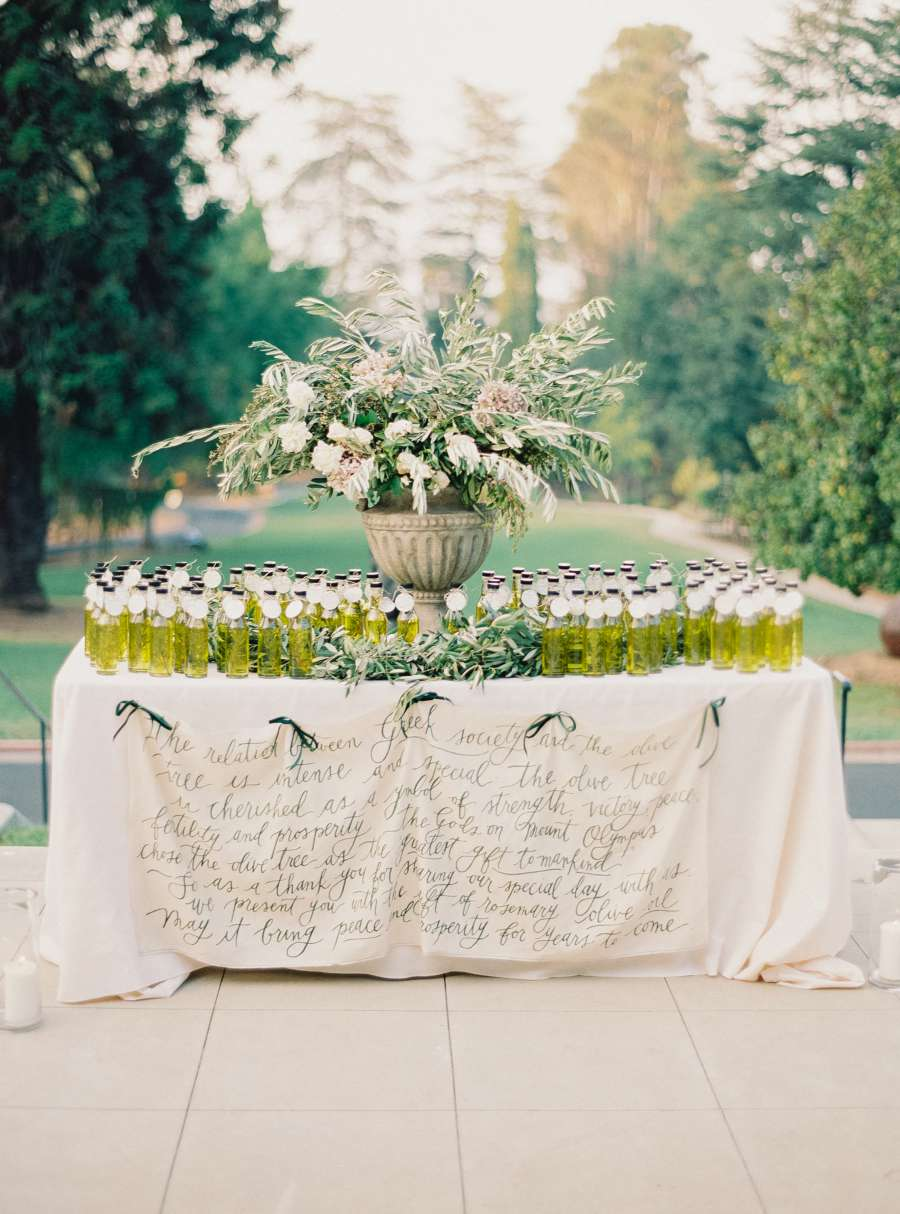 Table cloth with calligraphy.