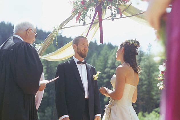 The 9 Most Common Wedding Vow Mistakes All Brides and Grooms Should