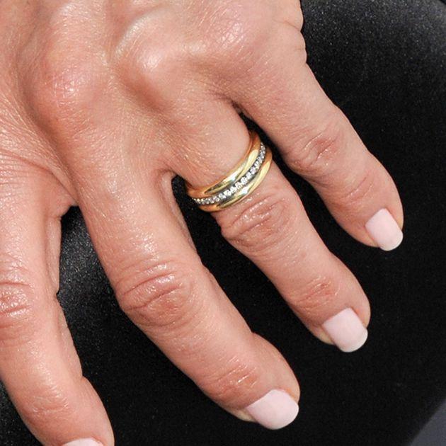 Jennifer Aniston wedding ring detail
