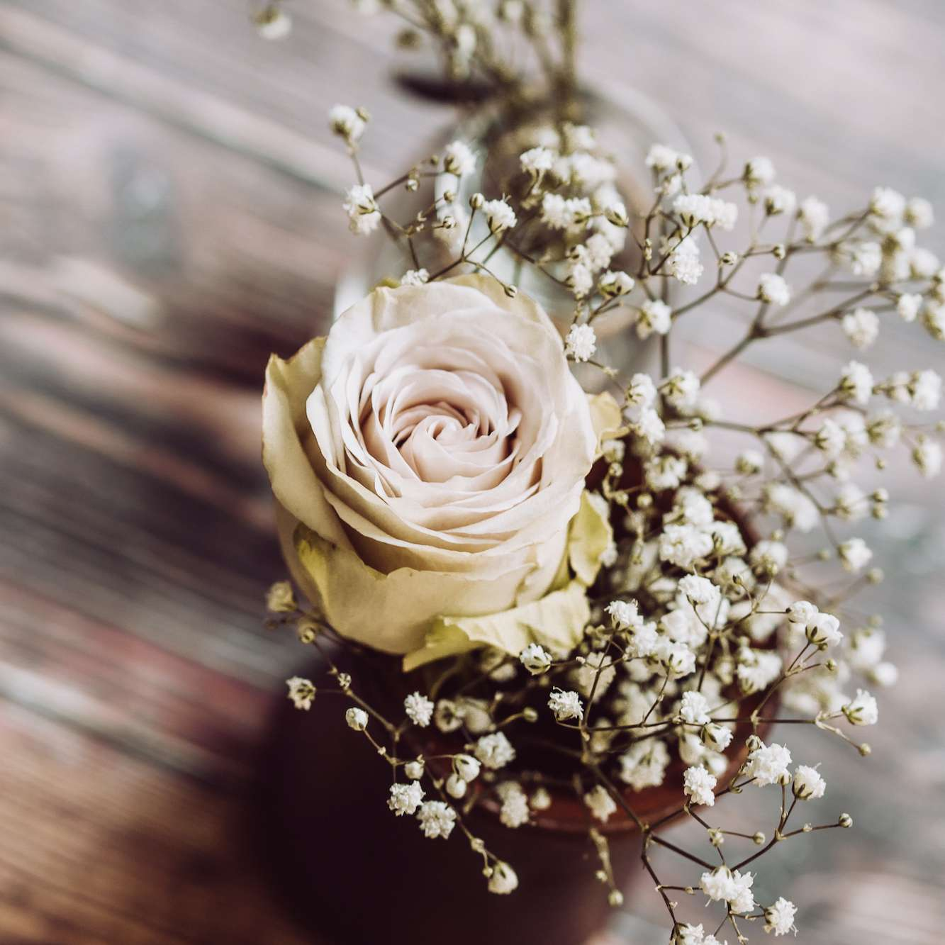 6 Ways To Preserve Your Wedding Flowers