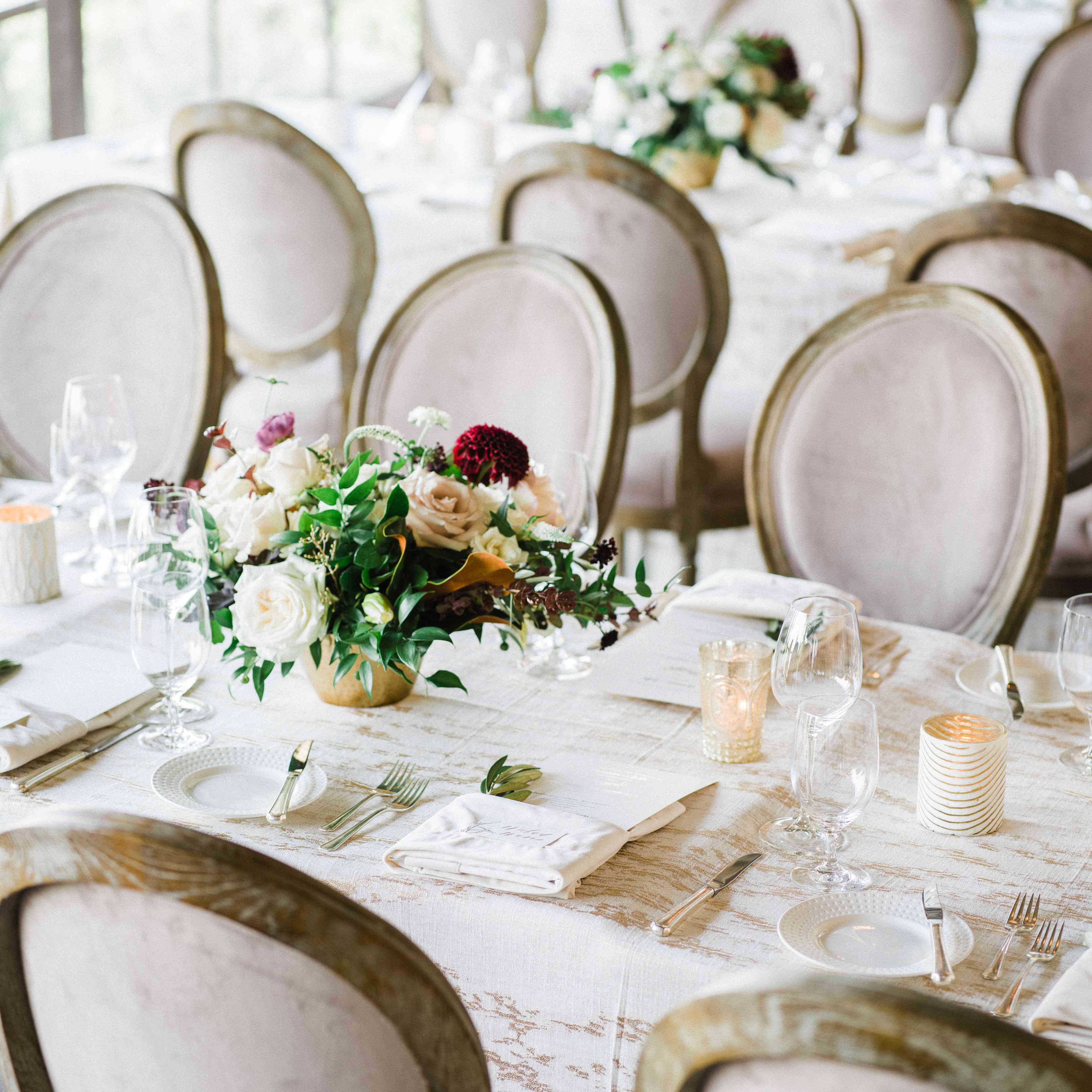 <p>Table setting at reception</p><br><br>