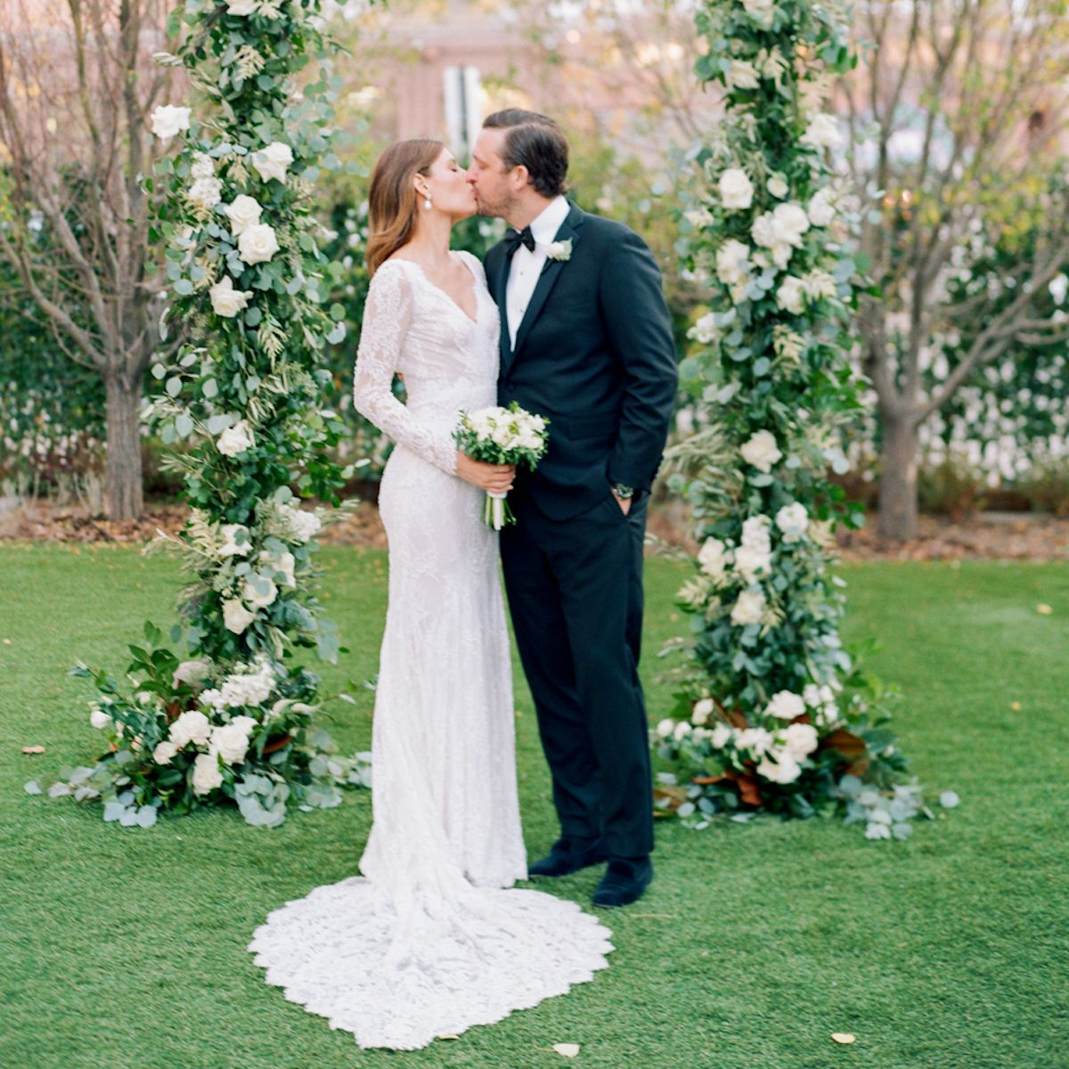 Destination Wedding Gift Etiquette: A Sophisticated Wedding At Hotel Jerome In Aspen