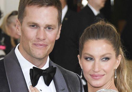 Tom Brady And Gisele Bundchen Shared A Sweet Smooch At A Family